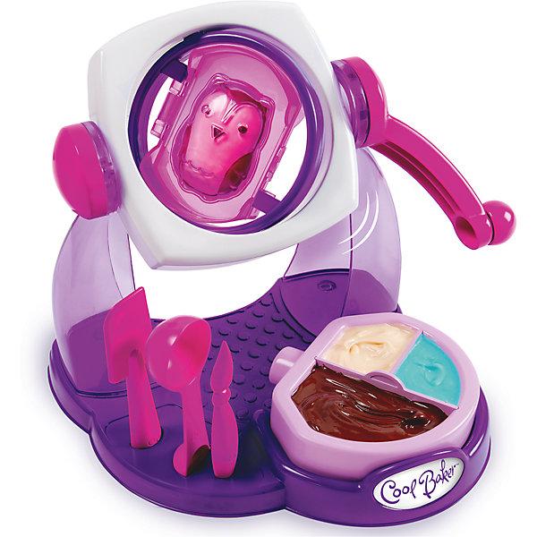 Набор для лепки Cool Baker Фабрика шоколадных конфетНаборы для лепки игровые<br>Характеристики товара:<br><br>• размер: 28х30х8 см<br>• комплектация: шоколадная фабрика, контейнер для воды/шоколада, 3 формочки, 3 инструмента, подарочные мешочки, крепления и бантики для подарочной упаковки<br>• материал: пластик<br>• для самостоятельного создания шоколадных конфет<br>• возраст: от трех лет<br>• страна обладатель бренда: Канада<br>• страна изготовитель: Китай<br><br>Какой ребенок откажется стать обладателем собственной шоколадной фабрики?! Пусть даже она легко поместится на столе... С помощью такого набора ребенок самостоятельно сможет сделать сладкие подарки для друзей и родных. Это очень просто - с помощью контейнера с горячей водой шоколад растапливается и заливается в формочки. Потом можно украсить получившиеся конфеты и угощать ими кого хочешь!<br>Такая фабрика станет отличным подарком ребенку! Процесс создания чего-либо своими руками помогает детям развивать важные навыки и способности, он активизирует мышление, логику, мелкую моторику и воображение. Изделие производится из качественных и проверенных материалов, которые безопасны для детей.<br><br>Набор Cool Baker Фабрика шоколадных конфет от бренда Spin Master можно купить в нашем интернет-магазине.<br>Ширина мм: 150; Глубина мм: 100; Высота мм: 300; Вес г: 700; Возраст от месяцев: 36; Возраст до месяцев: 144; Пол: Женский; Возраст: Детский; SKU: 5010714;