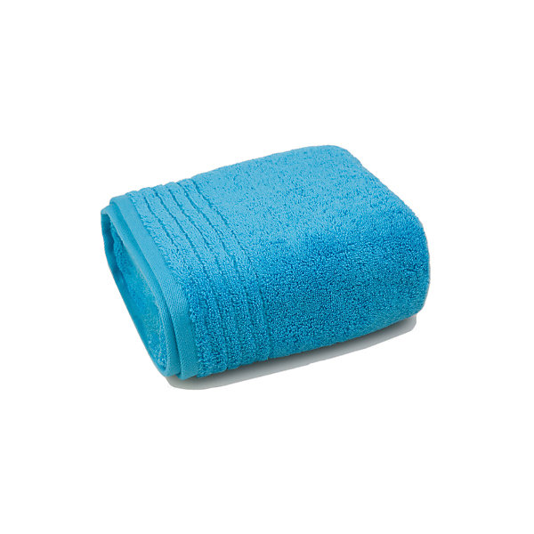 Полотенце махровое 70*140, Luxury Ayurveda, skyПолотенца<br>Махровое полотенце Luxury Ayurveda изготовлено из качественного натурального хлопка. Приятный дизайн полотенца отлично подойдет для вашей ванной комнаты.<br><br>Особенности:<br>-отлично впитывает влагу<br>-высокая гигроскопичность<br>-остается мягким на протяжении длительного времени<br>-объем увеличивается после стирки<br>-не уменьшаются в размере<br>-технология Hygro от Welspun<br>-входит в эксклюзивную коллекцию, не имеющая аналогов<br><br>Дополнительная информация:<br>Материал: 100% хлопок<br>Размер: 70х140 см<br>Цвет: ярко-голубой<br>Торговая марка: Luxury Ayurveda<br><br>Вы можете купить махровое полотенце  Luxury Ayurveda в нашем интернет-магазине.<br>Ширина мм: 500; Глубина мм: 500; Высота мм: 200; Вес г: 600; Возраст от месяцев: 0; Возраст до месяцев: 144; Пол: Унисекс; Возраст: Детский; SKU: 5011006;