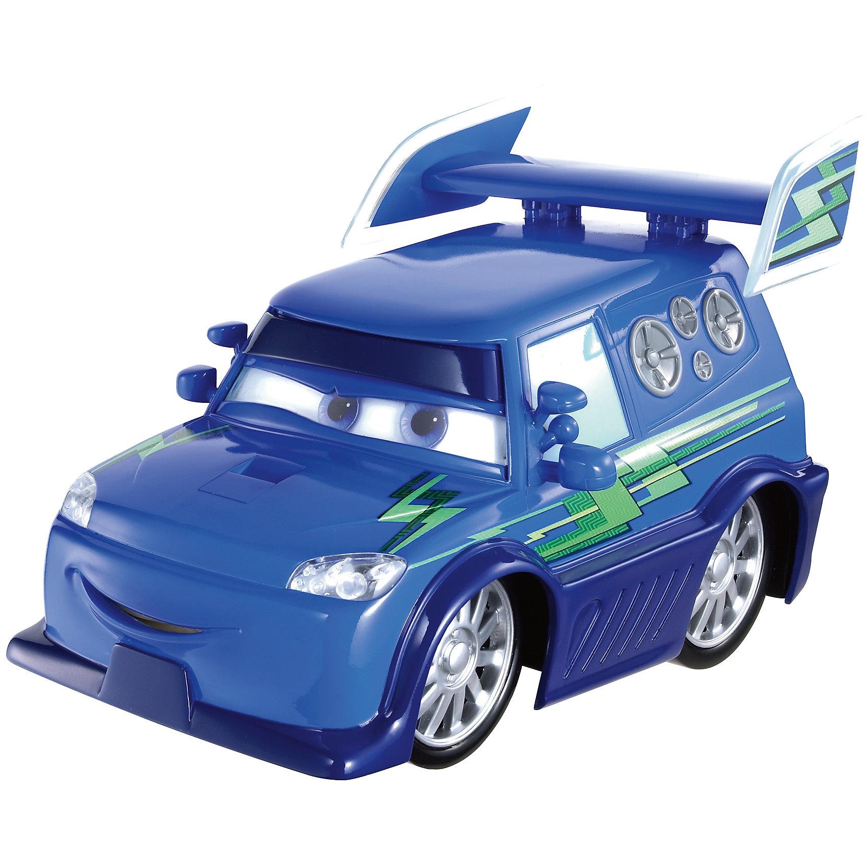 Литая машинка, Тачки-2Машинки<br>Литая машинка Делюкс от компании «Mattel» выполнена в виде главного персонажа мультфильма «Тачки 2». Изготовленная из металла в масштабе 1:55 игрушка отличается высокой степенью детализации и качеством исполнения. Завладев несколькими моделями, малыш сможет окунуться в любимый мультипликационный мир, устроить красочные показательные выступления среди машинок-киногероев.<br><br>Дополнительная информация:<br><br>- Материал: металл<br>- В упаковке: 1 шт.<br>- Размер машинки: 8 см.<br><br>Литую машинку, Тачки-2 можно купить в нашем магазине.<br><br>Ширина мм: 135<br>Глубина мм: 45<br>Высота мм: 160<br>Вес г: 80<br>Возраст от месяцев: 36<br>Возраст до месяцев: 72<br>Пол: Мужской<br>Возраст: Детский<br>SKU: 5015788