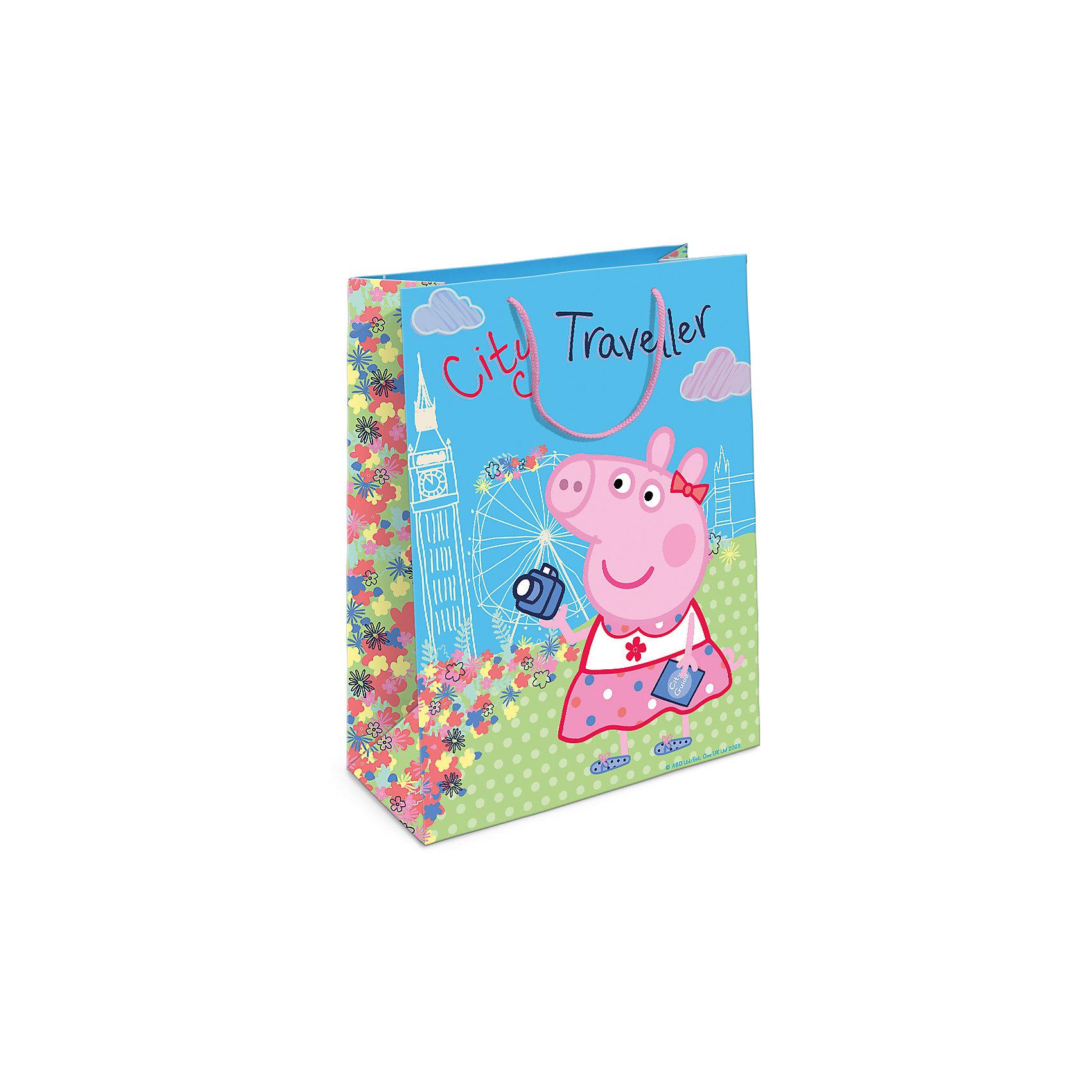 Пакет подарочный  Пеппа на каникулах, 35*25*9Подарочный бумажный пакет «Пеппа на каникулах» с веселыми и забавными героями мультфильма «Свинка Пеппа» очаровательно украсит подарок и обязательно порадует малыша. Размер: 35х25х9 см. В ассортименте вы также сможете найти такой же пакет размером 23х18х10 см.<br><br>Ширина мм: 350<br>Глубина мм: 250<br>Высота мм: 5<br>Вес г: 61<br>Возраст от месяцев: 144<br>Возраст до месяцев: 120<br>Пол: Унисекс<br>Возраст: Детский<br>SKU: 5016448