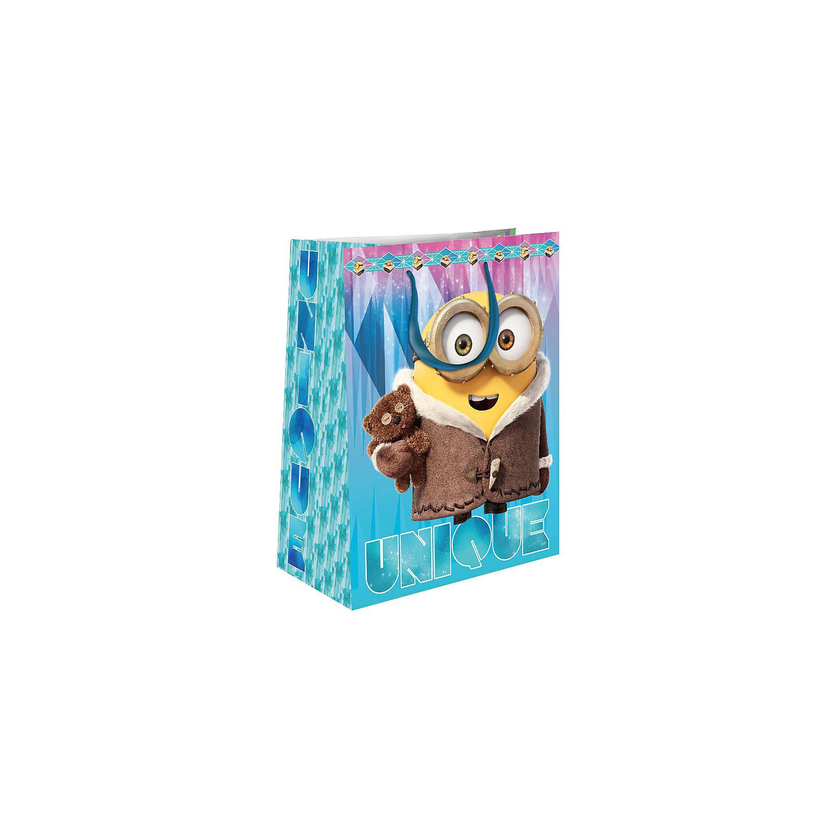 Пакет подарочный Зимний Миньон 350*250*90Всё для праздника<br>Подарочный бумажный пакет «Зимний Миньон» с очаровательным зимним принтом ярко украсит подарок и еще больше поднимет праздничное настроение. Размер: 35х25х9 см. В ассортименте вы также сможете найти такой же пакет размером 23х18х10 см.<br><br>Ширина мм: 350<br>Глубина мм: 250<br>Высота мм: 3<br>Вес г: 78<br>Возраст от месяцев: 36<br>Возраст до месяцев: 120<br>Пол: Унисекс<br>Возраст: Детский<br>SKU: 5016456