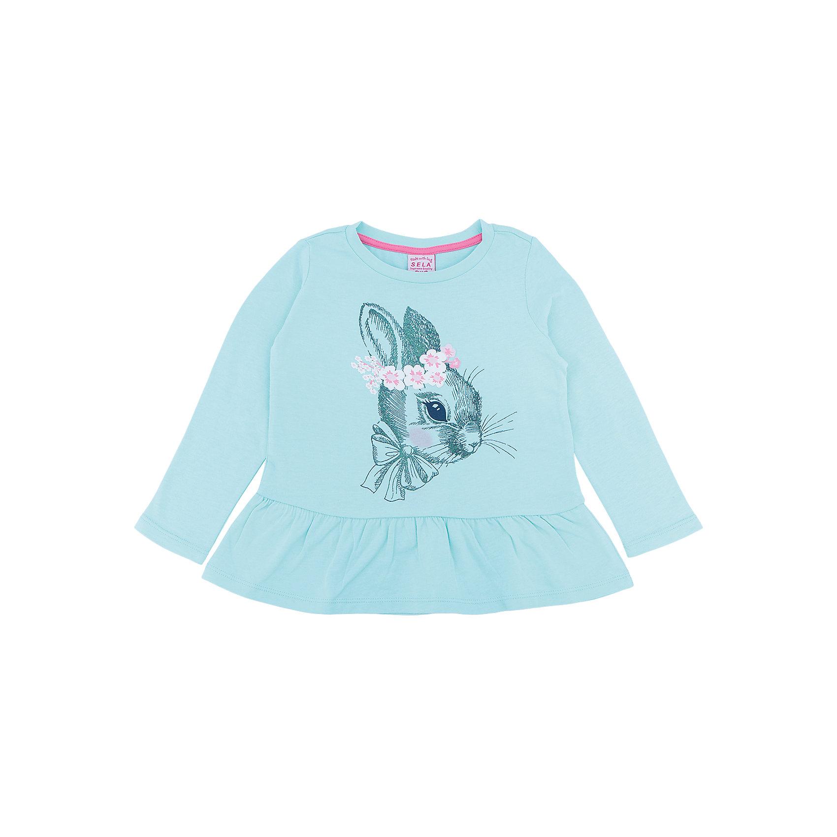 Футболка с длинным рукавом для девочки SELAФутболка с длинным рукавом  - незаменимая вещь в прохладное время года. Эта модель отлично сидит на ребенке, она сделана из приятного на ощупь материала, мягкая и дышащая. Натуральный хлопок в составе ткани не вызывает аллергии и обеспечивает ребенку комфорт. Модель станет отличной базовой вещью, которая будет уместна в различных сочетаниях.<br>Одежда от бренда Sela (Села) - это качество по приемлемым ценам. Многие российские родители уже оценили преимущества продукции этой компании и всё чаще приобретают одежду и аксессуары Sela.<br><br>Дополнительная информация:<br><br>материал: 100 % хлопок;<br>длинный рукав;<br>украшен принтом.<br><br>Футболка с длинным рукавом  для девочки от бренда Sela можно купить в нашем интернет-магазине.<br><br>Ширина мм: 190<br>Глубина мм: 74<br>Высота мм: 229<br>Вес г: 236<br>Цвет: серый<br>Возраст от месяцев: 60<br>Возраст до месяцев: 72<br>Пол: Женский<br>Возраст: Детский<br>Размер: 116,92,98,104,110<br>SKU: 5020401