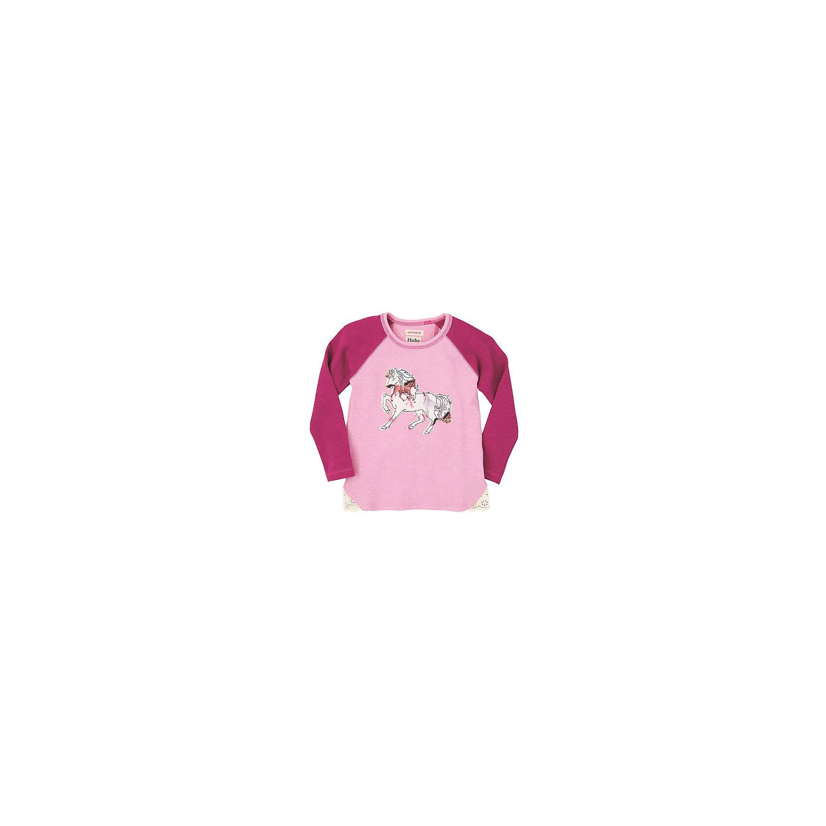 Футболка с длинным рукавом для девочки HatleyФутболка с длинным рукавом для девочки Hatley<br><br>Характеристики:<br><br>• Состав: 100% хлопок<br><br>Красивая и модная футболка с длинными рукавами идеально подойдет для летней прохладной погоды или для носки в помещении. Благодаря тому, что ткань натуральная и не вызывает аллергии, ребенок сможет бегать и прыгать, не боясь, что вспотеет и на коже будут раздражения. Яркий и забавный принт-аппликация делает футболку еще и очень привлекательной.<br><br>Футболку с длинным рукавом для девочки Hatley можно купить в нашем интернет-магазине<br><br>Ширина мм: 230<br>Глубина мм: 40<br>Высота мм: 220<br>Вес г: 250<br>Цвет: розовый<br>Возраст от месяцев: 18<br>Возраст до месяцев: 24<br>Пол: Женский<br>Возраст: Детский<br>Размер: 92,128,122,116,110,104,98<br>SKU: 5020611