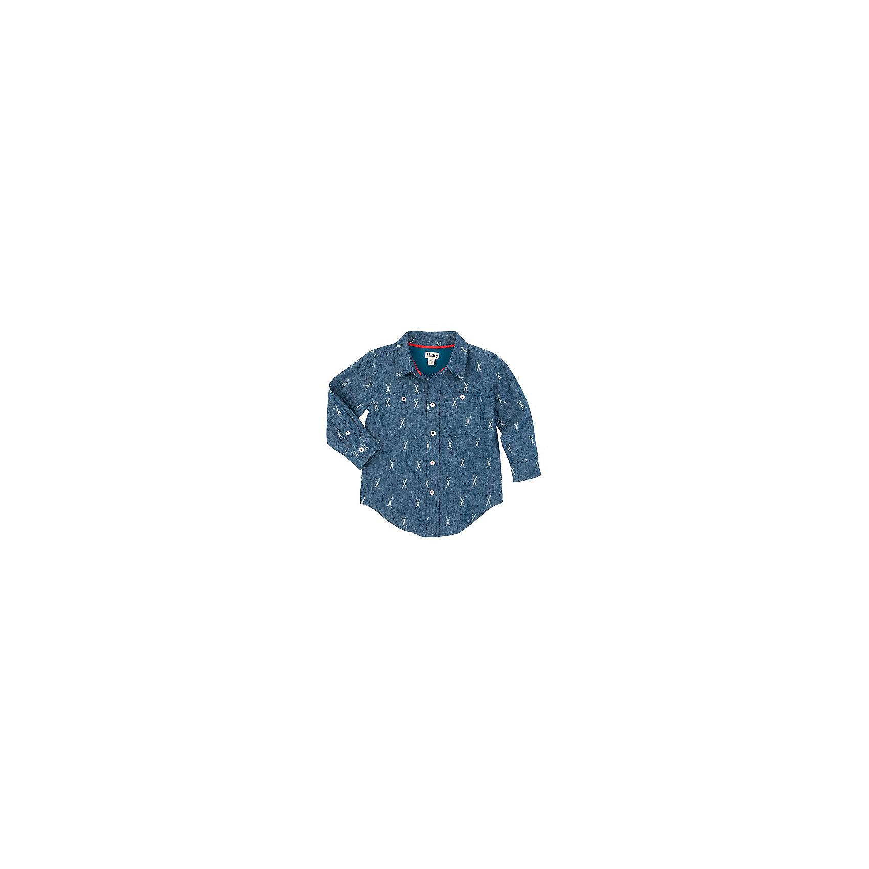 Рубашка для мальчика HatleyБлузки и рубашки<br>Рубашка для мальчика Hatley<br><br>Характеристики: <br><br>• Состав: 100% хлопок<br>• Цвет: синий<br><br>Классическая синяя рубашка на пуговичках сделает маленького модника стильным джентльменом. Натуральная ткань не дает ребенку вспотеть и не вызывает раздражения. Модный принт и джинсовый синий цвет не оставит равнодушным никого. На груди два кармана с пуговичками. Рукава застегиваются на две пуговки. <br><br>Рубашка для мальчика Hatley можно купить в нашем интернет-магазине.<br><br>Ширина мм: 174<br>Глубина мм: 10<br>Высота мм: 169<br>Вес г: 157<br>Цвет: полуночно-синий<br>Возраст от месяцев: 36<br>Возраст до месяцев: 48<br>Пол: Мужской<br>Возраст: Детский<br>Размер: 104,110,116,98<br>SKU: 5020870