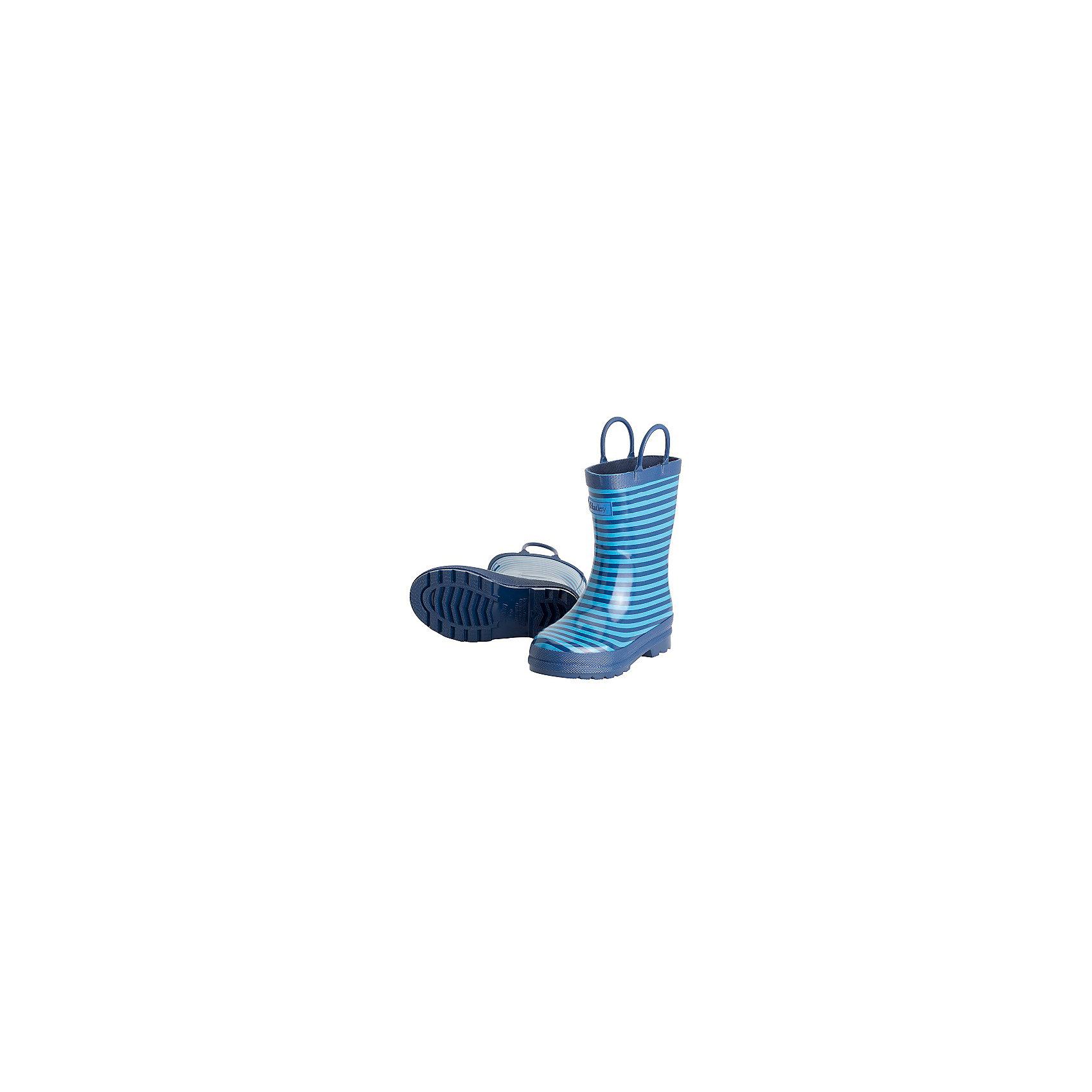 Резиновые сапоги для мальчика HatleyРезиновые сапоги<br>Резиновые сапоги для мальчика Hatley<br><br>Характеристики:<br><br>• Состав: верх - каучук синтетический 100%, подкладка - 100% хлопок<br>• Цвет: голубой<br><br>Яркие, стильные и модные резиновые сапоги для мальчика сделаны из высококачественных материалов. Резина сока каучуковых деревьев не даст ножкам промокнуть, а хлопковая подкладка защитит от холода. Внутри есть стелька с аркой, которая способствует правильному формированию стопы. По бокам есть удобные ручки. <br><br>Резиновые сапоги для мальчика Hatley можно купить в нашем интернет-магазине.<br><br>Ширина мм: 237<br>Глубина мм: 180<br>Высота мм: 152<br>Вес г: 438<br>Цвет: синий<br>Возраст от месяцев: 15<br>Возраст до месяцев: 18<br>Пол: Мужской<br>Возраст: Детский<br>Размер: 22,32,30,23,24,34,35<br>SKU: 5020888