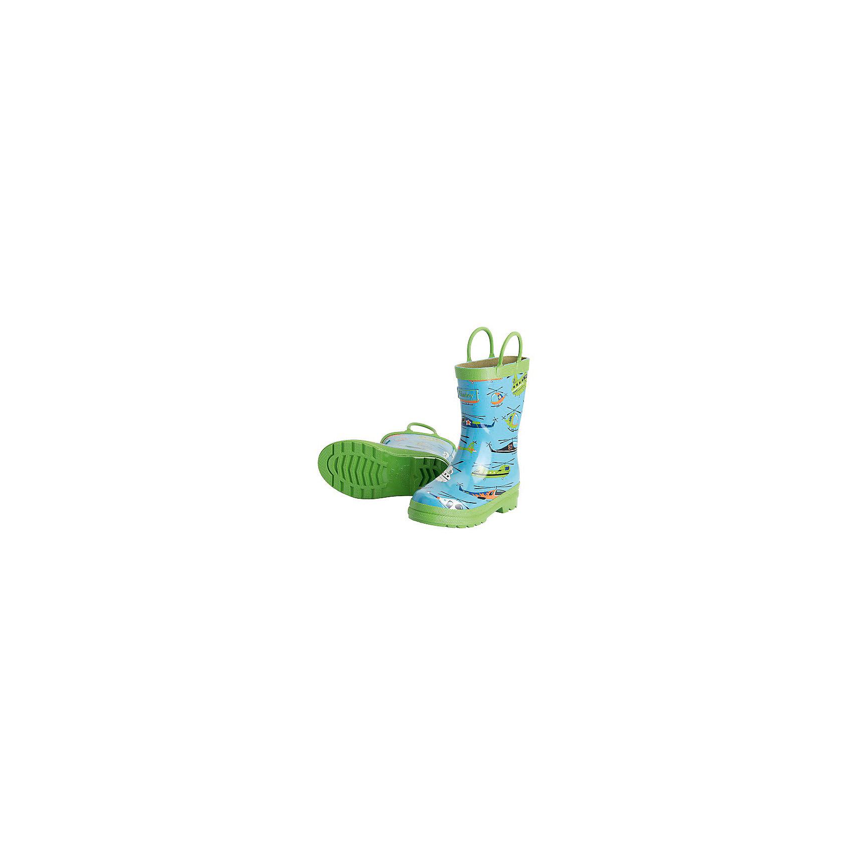 Резиновые сапоги для мальчика HatleyРезиновые сапоги<br>Резиновые сапоги для мальчика Hatley<br><br>Характеристики:<br><br>• Состав: верх - каучук синтетический 100%, подкладка - 100% хлопок<br>• Цвет: голубой, зеленый<br><br>Яркие, стильные и модные резиновые сапоги для мальчика сделаны из высококачественных материалов. Резина сока каучуковых деревьев не даст ножкам промокнуть, а хлопковая подкладка защитит от холода. Внутри есть стелька с аркой, которая способствует правильному формированию стопы. По бокам есть удобные ручки. <br><br>Резиновые сапоги для мальчика Hatley можно купить в нашем интернет-магазине.<br><br>Ширина мм: 237<br>Глубина мм: 180<br>Высота мм: 152<br>Вес г: 438<br>Цвет: голубой<br>Возраст от месяцев: 18<br>Возраст до месяцев: 21<br>Пол: Мужской<br>Возраст: Детский<br>Размер: 22,24,23<br>SKU: 5020930