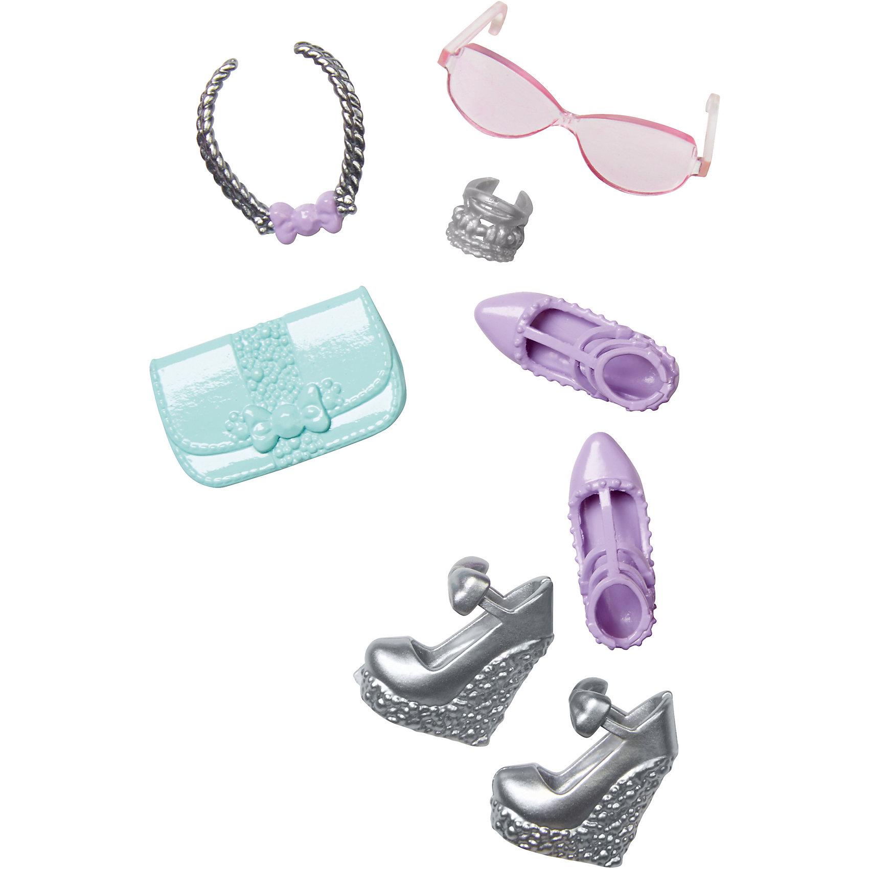 Набор Игра с модой, BarbieСтильные атрибуты для куклы Barbie (Барби) - отличный вариант подарка для любительницы этих кукол. В этот набор входят две пары обуви, сумочка и три дополнительных предмета. Предметы из разных комплектов можно комбинировать, создавая новые шикарные образы для любимой куклы.<br>Такие игрушки помогают развить мелкую моторику, логическое мышление и воображение ребенка. Эта игрушка выполнена из высококачественного прочного пластика, безопасного для детей, отлично детализирована.<br><br>Дополнительная информация:<br><br>комплектация: две пары обуви, сумочка и три дополнительных предмета; <br>цвет: разноцветный;<br>материал: пластик;<br>кукла продается отдельно!<br><br>Набор Игра с модой, Barbie от компании Mattel можно купить в нашем магазине.<br><br>Ширина мм: 172<br>Глубина мм: 78<br>Высота мм: 17<br>Вес г: 18<br>Возраст от месяцев: 36<br>Возраст до месяцев: 96<br>Пол: Женский<br>Возраст: Детский<br>SKU: 5020997