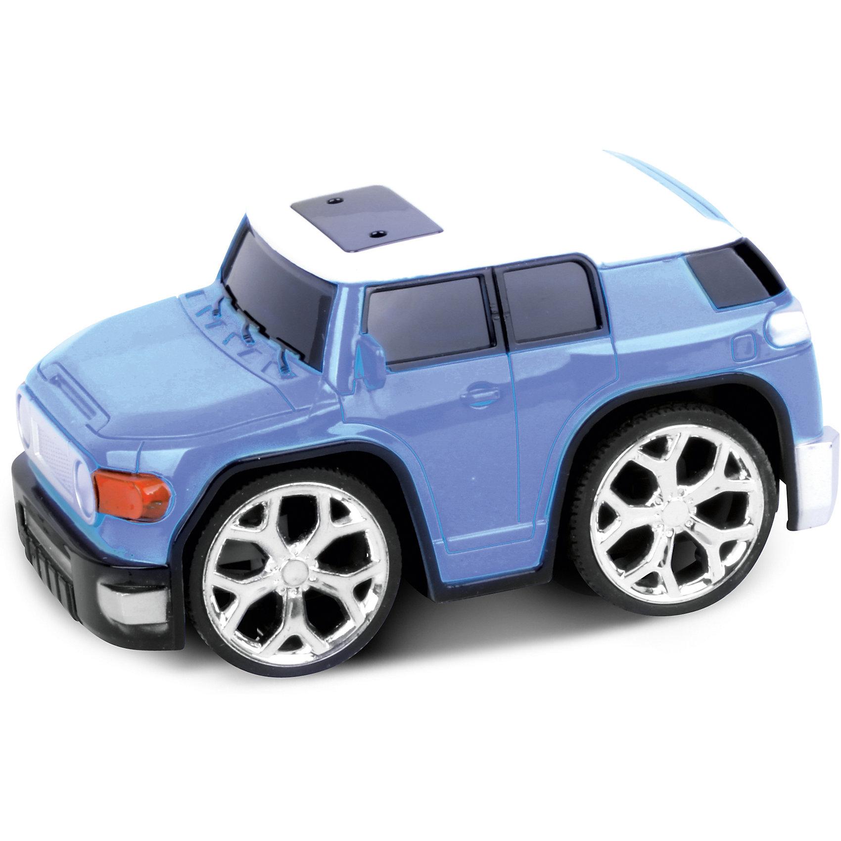 Машинка на радиоуправлении Racing Car, синяяРадиоуправляемый транспорт<br>Характеристики машинки Bluesea:<br><br>• радиоуправляемая модель;<br>• пульт управления, радиус действия 1 метр;<br>• направление движения: вперед, назад, влево, вправо;<br>• простота управления;<br>• пластиковый корпус;<br>• батарейки приобретаются отдельно;<br>• размер упаковки: 22х12х14 см;<br>• вес упаковки: 325 г.<br><br>Скоростная машинка на пульте управления быстро разгоняется, хорошо едет, является быстрой и маневренной. В процессе игры ребенок учится координировать свои движения, управлять машинкой с пульта управления, стратегически мыслить. <br><br>Машинку на радиоуправлении Racing Car, синюю можно купить в нашем интернет-магазине.<br><br>Ширина мм: 11<br>Глубина мм: 21<br>Высота мм: 11<br>Вес г: 57<br>Возраст от месяцев: 36<br>Возраст до месяцев: 2147483647<br>Пол: Унисекс<br>Возраст: Детский<br>SKU: 5030385