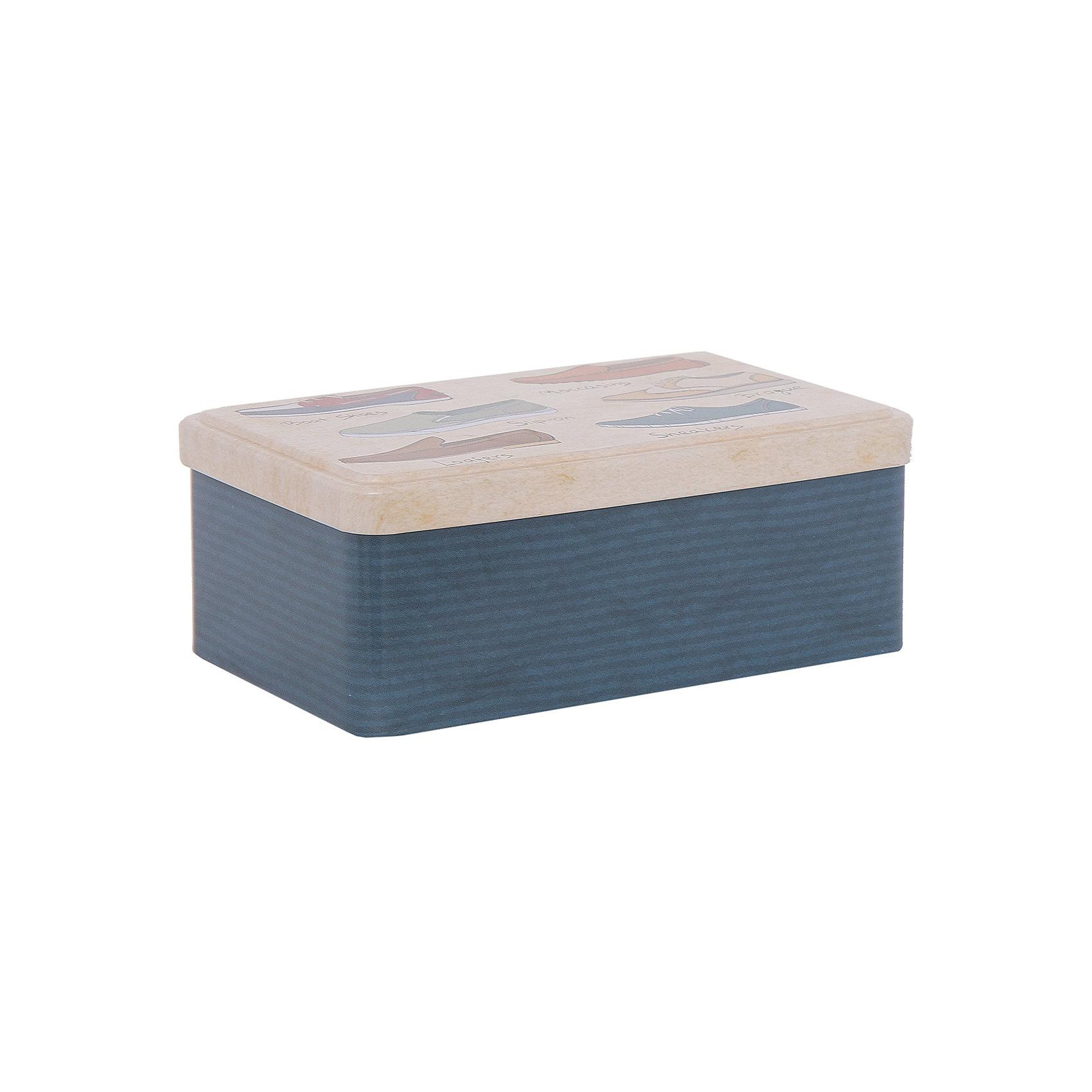 Набор д/ухода за обувью арт.40920, Magic HomeДорожный набор для ухода за обувью комплектуется четырьмя предметами, хранится в жестяной коробочке с крышкой. Крышка декорирована рисунком «Обувь». Набор можно брать с собой в дорогу, хранить в машине или использовать дома. <br><br>Дополнительная информация:<br><br>Размер контейнера с крышкой: 18,4х11,5х7,2 см<br><br>Материал контейнера: металл<br>Материал щеток: синтетический ворс, 100% полиэстер<br><br>Комплектация набора для ухода за обувью:<br><br>• щетка малая, <br>• щетка средняя, <br>• крем д/обуви на основе парафина (бесцветный), <br>• рожок д/обуви из нержавеющей стали,<br>• контейнер с крышкой.<br><br>Набор д/ухода за обувью арт.40920, Magic Home можно купить в нашем интернет-магазине.<br><br>Ширина мм: 190<br>Глубина мм: 80<br>Высота мм: 120<br>Вес г: 354<br>Возраст от месяцев: 216<br>Возраст до месяцев: 1200<br>Пол: Унисекс<br>Возраст: Детский<br>SKU: 5030484