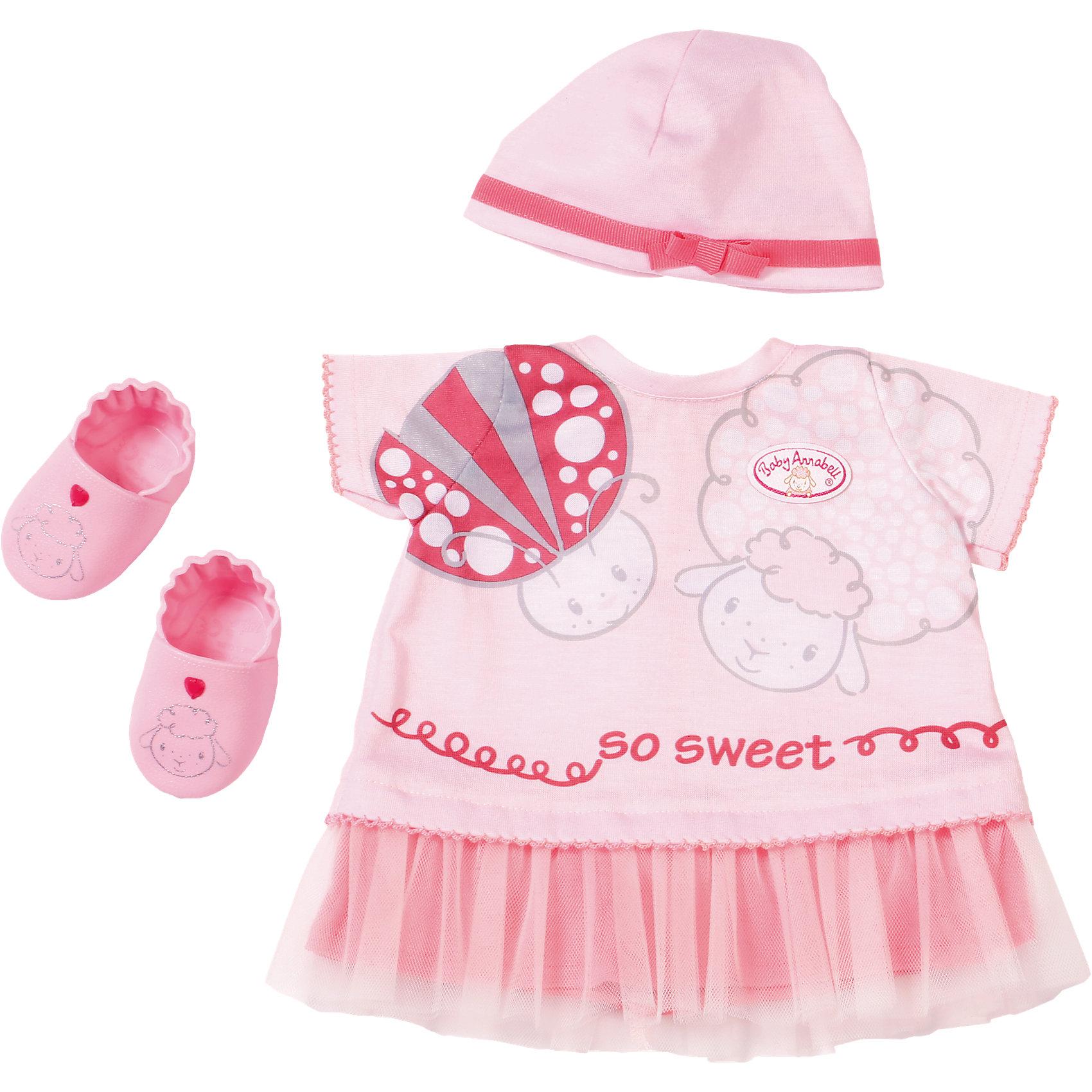 Одежда для теплых деньков, Baby AnnabellКукольная одежда и аксессуары<br>Характеристики товара:<br><br>• возраст от 3 лет;<br>• материал: текстиль;<br>• в комплекте: платье, шапочка, пинетки; <br>• размер упаковки 36х32х8 см;<br>• страна производитель: Китай.<br><br>Одежда для теплых деньков Baby Annabell дополнит летний гардероб любимой куклы Baby Annabell от Zapf Creation. В комплекте розовое платье с принтом в виде овечки и божьей коровки, шапочка с лентой и бантом и розовые пинетки с мордочками овечек. Вся одежда изготовлена из качественных материалов, ее можно стирать в стиральной машине.<br><br>Одежду для теплых деньков Baby Annabell можно приобрести в нашем интернет-магазине.<br><br>Ширина мм: 320<br>Глубина мм: 80<br>Высота мм: 360<br>Вес г: 355<br>Возраст от месяцев: 36<br>Возраст до месяцев: 60<br>Пол: Женский<br>Возраст: Детский<br>SKU: 5030816