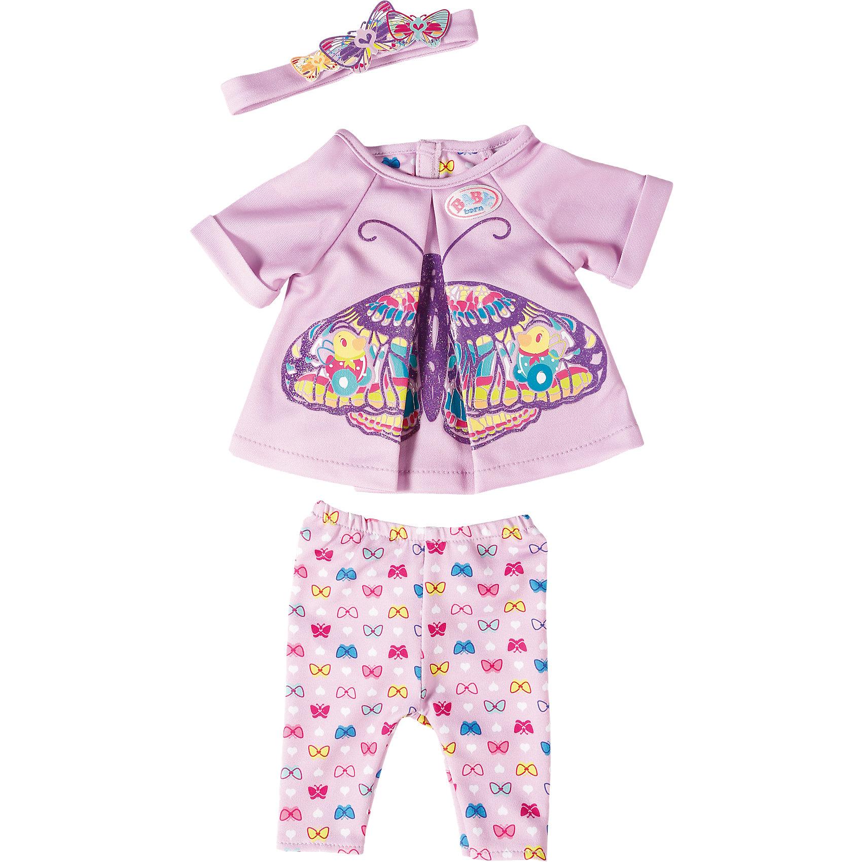 Удобная одежда для дома, BABY bornКукольная одежда и аксессуары<br>Удобная одежда для дома, BABY born<br><br>Характеристики:<br><br>• В набор входит: кофточка, штанишки, повязка на голову<br>• Состав: текстиль<br>• Размер упаковки: 36 * 2 * 25 см.<br>• Для детей в возрасте: от 3 до 7 лет<br>• Страна производитель: Китай<br><br>Одежда выглядит как настоящая, кофточка застёгивается на липучку, а штанишки сделаны на резиночке и легко одеваются. Стиль комплекта отлично сочетается между собой, яркие штанишки с бабочками подходят к кофточке с большой бабочкой и нежной повязкой на голову. <br><br>Удобную одежду для дома, BABY born можно купить в нашем интернет-магазине.<br><br>Ширина мм: 283<br>Глубина мм: 215<br>Высота мм: 30<br>Вес г: 93<br>Возраст от месяцев: 36<br>Возраст до месяцев: 60<br>Пол: Женский<br>Возраст: Детский<br>SKU: 5030820