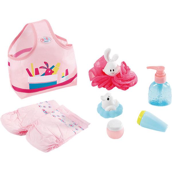 Набор С легким паром, BABY bornОдежда для кукол<br>Набор С легким паром, BABY born<br><br>Характеристики:<br><br>• В набор входит: сумка, два подгузника, резиновая игрушка, мочалка, игрушечные пузырьки 3 шт.<br>• Состав: текстиль, пластик, резина<br>• Размер упаковки: 40 * 5 * 18,5 см.<br>• Для детей в возрасте: от 3 лет<br>• Страна производитель: Китай<br><br>С новым набором для купания ребёнок сможет продолжать свои игры, делая их ещё веселее. Специальная сумка содержит всё необходимое для принятия самой лучшей ванны – детскую мочалку, резиновую плавающую игрушку, игрушечные пузырьки моющих средств. <br><br>После ванны малышу нужно будет одеть чистый подгузник, в набор входят сразу два, чтобы их можно было менять. Это фирменный комплект для кукол, поэтому она подойдёт к любой кукле бренда BABY born (Бейби Бон).<br><br>Набор С легким паром, BABY born можно купить в нашем интернет-магазине.<br><br>Ширина мм: 400<br>Глубина мм: 184<br>Высота мм: 88<br>Вес г: 267<br>Возраст от месяцев: 36<br>Возраст до месяцев: 60<br>Пол: Женский<br>Возраст: Детский<br>SKU: 5030822