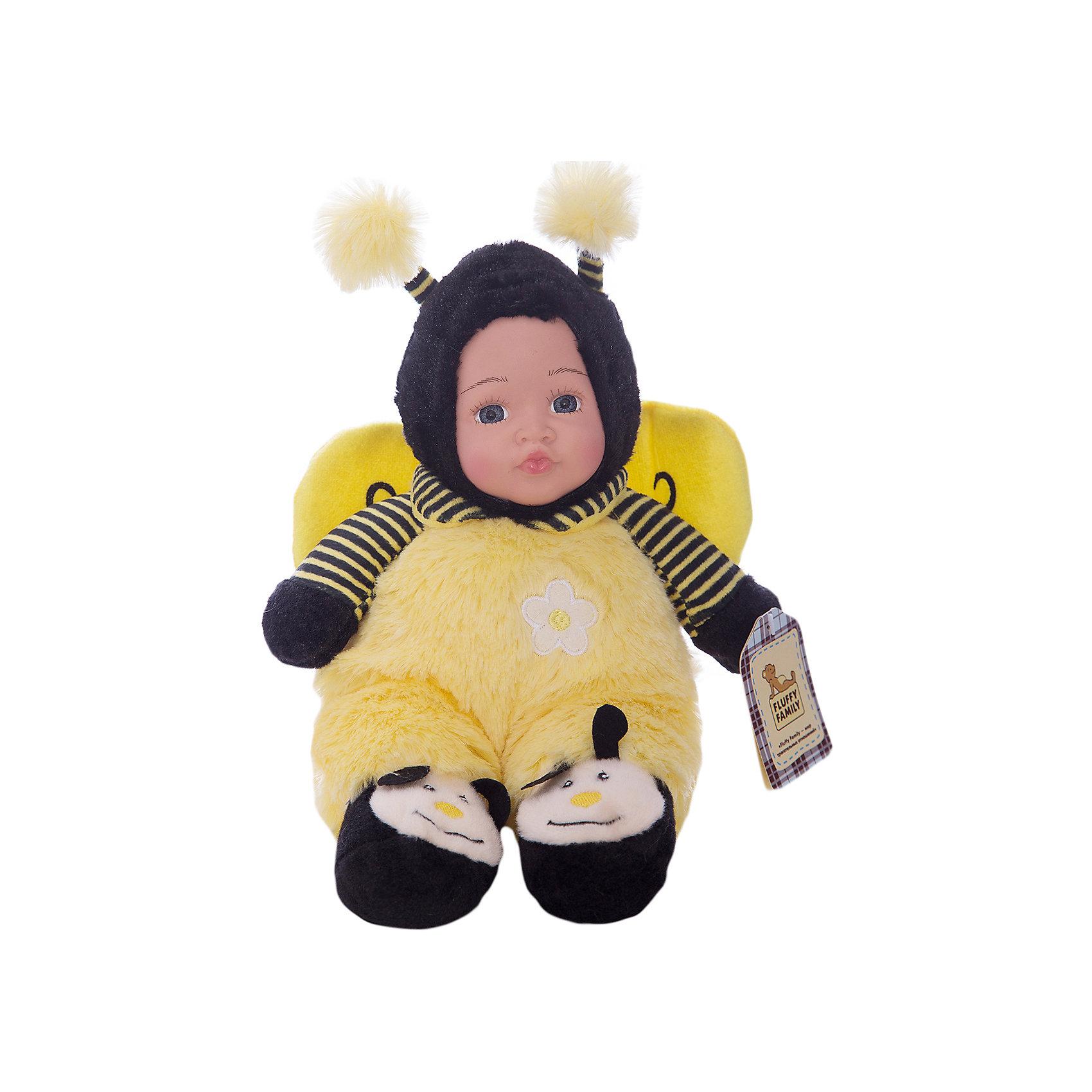 Игрушка Мой пчеленок, Fluffy FamilyТакая игрушка - милая вариация стандартной куклы–младенца. Малыш выполнен из пластика и тщательно прорисованным личиком. Одета кукла в костюм совенка. Ткань приятна на ощупь и малышу понравится играть с куклой. Игрушка подходит для одиночной игры малыша и для игр в компании. Не содержит мелких деталей. Кукла из коллекционной серии. Соберите весь набор! Материалы, использованные при изготовлении товара, абсолютно безопасны и отвечают всем международным требованиям по качеству.<br><br>Дополнительные характеристики:<br><br>материал: ПВХ, искусственный мех, пластик;<br>габариты: 20 X 9 X 30 см;<br>наполнитель: полиэтиленовые гранулы.<br><br>Игрушку Мой пчеленок от компании Fluffy Family можно приобрести в нашем магазине.<br><br>Ширина мм: 570<br>Глубина мм: 580<br>Высота мм: 450<br>Вес г: 163<br>Возраст от месяцев: 36<br>Возраст до месяцев: 96<br>Пол: Унисекс<br>Возраст: Детский<br>SKU: 5032467