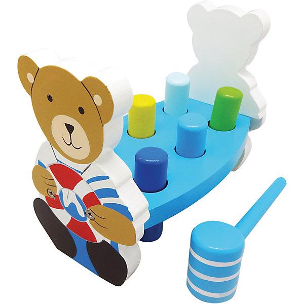 Игра с молоточком Капитан, MapachaЛото<br>Игра «Капитан» - развивающая игрушка, направленная на улучшение координации и внимания маленького ребенка. Основа игрушки – платформа с цилиндрами, которые необходимо забить молоточком в отверстия, в которые они установлены. По бокам на малыша смотрит веселый капитан – медвежонок. Компания Mapacha – абсолютный лидер по производству экологически чистых игрушек для детей ясельного возраста. Материалы, использованные при изготовлении товара, абсолютно безопасны и отвечают всем международным требованиям по качеству.<br><br>Дополнительные характеристики:<br><br>материал: натуральное дерево;<br>цвет: разноцветный;<br>габариты: 20 X 12 X 16 см.<br><br>Игру с молоточком Капитан от компании Mapacha можно приобрести в нашем магазине.<br><br>Ширина мм: 420<br>Глубина мм: 345<br>Высота мм: 355<br>Вес г: 750<br>Возраст от месяцев: 12<br>Возраст до месяцев: 36<br>Пол: Унисекс<br>Возраст: Детский<br>SKU: 5032492