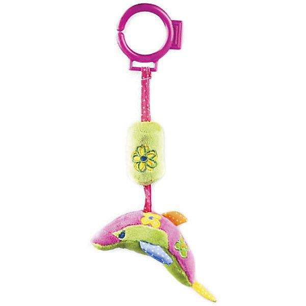 Развивающая игрушка Дельфин, ЖирафикиИгрушки для новорожденных<br>Развивающие игрушки должны быть у каждого малыша. Такие игрушки будут не только развивать способности малыша во время веселой игры, но и радовать глаз, потому что современные развивающие модели красивые и обладают стильным дизайном. Новая игрушка «дельфин» - мягкая игрушка, которая издает звуки, если ее потрясти, как обыкновенную погремушку. Развивает слух и улучшает мелкую моторику малыша. Материалы, использованные при изготовлении товара, абсолютно безопасны и отвечают всем международным требованиям по качеству.<br><br>Дополнительные характеристики:<br><br>материал: текстиль;<br>цвет: разноцветный;<br>габариты: 16 X 5 X 30 см.<br><br>Развивающую игрушку Дельфин от компании Жирафики можно приобрести в нашем магазине.<br><br>Ширина мм: 560<br>Глубина мм: 320<br>Высота мм: 315<br>Вес г: 89<br>Возраст от месяцев: 3<br>Возраст до месяцев: 36<br>Пол: Унисекс<br>Возраст: Детский<br>SKU: 5032557