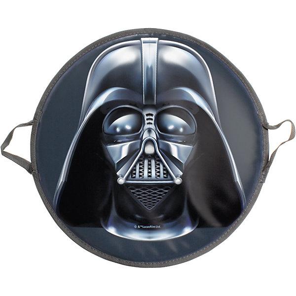 Ледянка Darth Vader,  52 см, круглая, Звездные войныЛедянки<br>Ледянка Darth Vader, 52 см, круглая, Звездные войны. <br><br>Характеристики:<br><br>• изготовлена из прочного пластика<br>• выдерживает нагрузки до 70 кг<br>• две удобные ручки<br>• яркий дизайн<br>• материал: пвх, текстиль<br>• размер упаковки: 52х52х2 см<br><br>Ледянка Darth Vader, с плотными ручками, Звездные войны впечатлит каждого поклонника культовой саги Звездные войны. Ледянка имеет оригинальный принт в виде шлема Дарт Вейдера.<br>Изготовлена из качественного пластика, имеет ручки, за которые будет удобно держаться при спуске с горки. Такая ледянка сделает зимний отдых еще веселее!<br><br>Ледянку Darth Vader, 52 см, круглая, Звездные войны можно купить в нашем интернет-магазине.<br><br>Ширина мм: 500<br>Глубина мм: 10<br>Высота мм: 500<br>Вес г: 300<br>Возраст от месяцев: 36<br>Возраст до месяцев: 192<br>Пол: Мужской<br>Возраст: Детский<br>SKU: 5032823