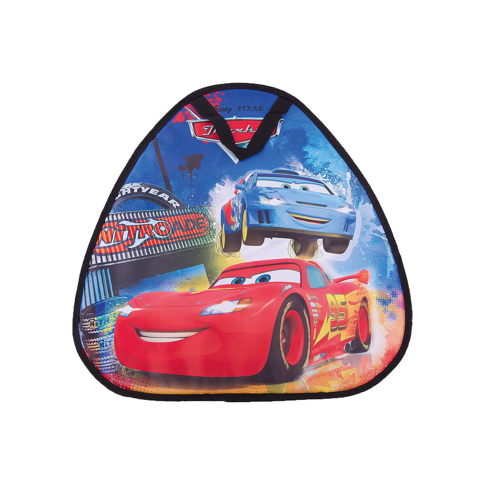 Ледянка,  52х50 см, треугольная, Тачки, DisneyЛедянки<br>Ледянка, 52х50 см, треугольная, Тачки, Disney.<br><br>Характеристики:<br><br>• прочная и долговечная<br>• отлично скользит<br>• небольшой вес<br>• яркий дизайн<br>• материал: пластик<br>• размер: 52х1х50 см<br>• вес: 300 грамм<br><br>Зимой очень важен отдых на свежем воздухе. С ледянкой Тачки, Disney проводить время на улице будет еще веселее. Она очень удобна в использовании, а компактность и небольшой вес позволят ее легко взять с собой. Яркий принт с любимыми героями мультфильма Тачки поднимет настроение и принесет море радости при спуске с горки!<br><br>Ледянку, 52х50 см, треугольная, Тачки, Disney вы можете купить в нашем интернет-магазине.<br><br>Ширина мм: 500<br>Глубина мм: 10<br>Высота мм: 500<br>Вес г: 400<br>Возраст от месяцев: 36<br>Возраст до месяцев: 192<br>Пол: Мужской<br>Возраст: Детский<br>SKU: 5032826