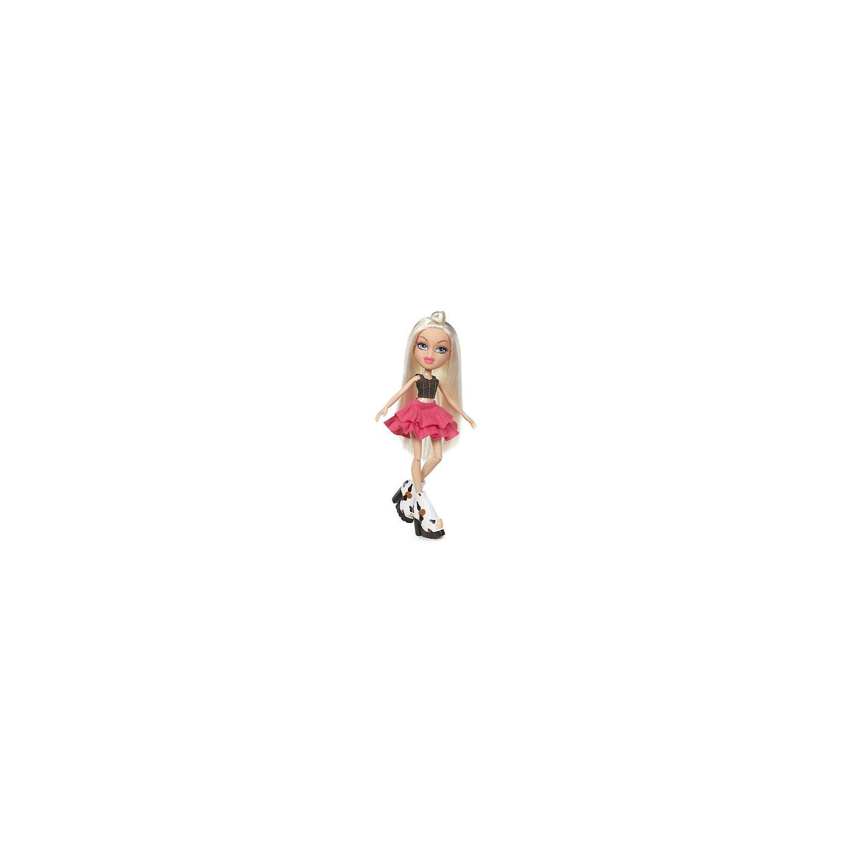 Кукла делюкс Хлоя, Давай знакомиться, BratzКуклы-модели<br>Характеристики товара:<br><br>- цвет: разноцветный;<br>- материал: пластик, текстиль;<br>- особенности: руки и ноги сгибаются;<br>- размер упаковки: 18х31х7 см;<br>- размер куклы: 27 см.<br><br>Такие красивые куклы не оставят ребенка равнодушным! Какая девочка откажется поиграть с куклой Bratz?! Игрушка отлично детализирована, очень качественно выполнена, поэтому она станет отличным подарком ребенку. В наборе идут одежда и аксессуары, которыми можно украсить куклу!<br>Изделие произведено из высококачественного материала, безопасного для детей.<br><br>Куклу делюкс Хлоя, Давай знакомиться, от бренда Bratz можно купить в нашем интернет-магазине.<br><br>Ширина мм: 180<br>Глубина мм: 310<br>Высота мм: 70<br>Вес г: 400<br>Возраст от месяцев: 48<br>Возраст до месяцев: 2147483647<br>Пол: Женский<br>Возраст: Детский<br>SKU: 5040281