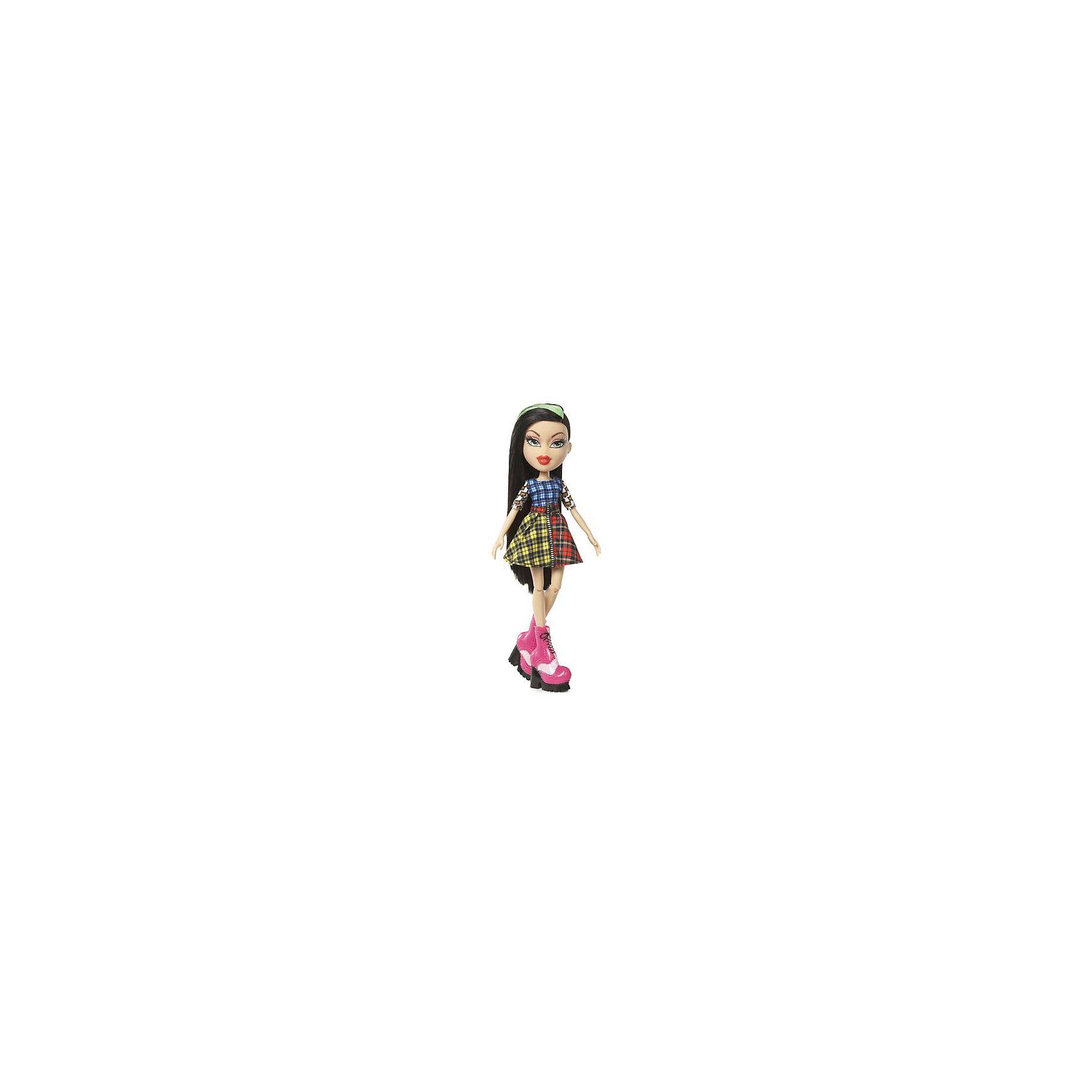 Кукла делюкс Джей, Давай знакомиться, BratzХарактеристики товара:<br><br>- цвет: разноцветный;<br>- материал: пластик, текстиль;<br>- особенности: руки и ноги сгибаются;<br>- размер упаковки: 18х31х7 см;<br>- размер куклы: 27 см.<br><br>Такие красивые куклы не оставят ребенка равнодушным! Какая девочка откажется поиграть с куклой Bratz?! Игрушка отлично детализирована, очень качественно выполнена, поэтому она станет отличным подарком ребенку. В наборе идут одежда и аксессуары, которыми можно украсить куклу!<br>Изделие произведено из высококачественного материала, безопасного для детей.<br><br>Куклу делюкс Джей, Давай знакомиться, от бренда Bratz можно купить в нашем интернет-магазине.<br><br>Ширина мм: 180<br>Глубина мм: 310<br>Высота мм: 70<br>Вес г: 400<br>Возраст от месяцев: 48<br>Возраст до месяцев: 2147483647<br>Пол: Женский<br>Возраст: Детский<br>SKU: 5040283