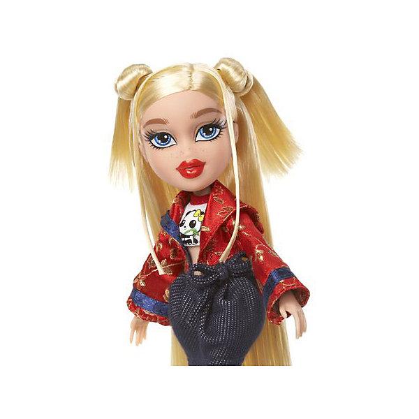 Кукла делюкс Хлоя, В путешествии, BratzКуклы<br>Характеристики товара:<br><br>- цвет: разноцветный;<br>- материал: пластик, текстиль;<br>- тематика: путешествие по Китаю;<br>- особенности: руки и ноги сгибаются;<br>- комплектация: кукла, два набора одежды, аксессуары, чемодан;<br>- размер упаковки: 26х32х6 см;<br>- размер куклы: 27 см.<br><br>Такие красивые куклы не оставят ребенка равнодушным! Какая девочка откажется поиграть с куклой Bratz?! Игрушка отлично детализирована, очень качественно выполнена, поэтому она станет отличным подарком ребенку. В наборе идут одежда и аксессуары, которыми можно украсить куклу!<br>Изделие произведено из высококачественного материала, безопасного для детей.<br><br>Куклу делюкс Хлоя, В путешествии от бренда Bratz можно купить в нашем интернет-магазине.<br>Ширина мм: 260; Глубина мм: 320; Высота мм: 60; Вес г: 540; Возраст от месяцев: 48; Возраст до месяцев: 2147483647; Пол: Женский; Возраст: Детский; SKU: 5040284;