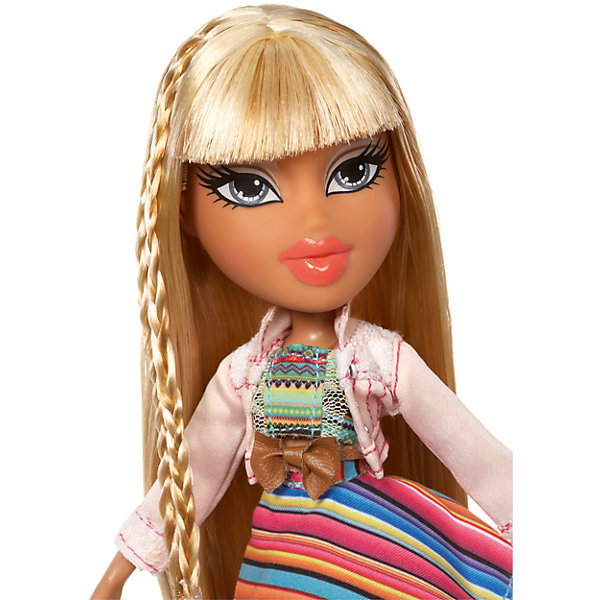 Кукла делюкс Рая, В путешествии, BratzБренды кукол<br>Характеристики товара:<br><br>- цвет: разноцветный;<br>- материал: пластик, текстиль;<br>- тематика: путешествие по Мексике;<br>- особенности: руки и ноги сгибаются;<br>- комплектация: кукла, два набора одежды, аксессуары, чемодан;<br>- размер упаковки: 26х32х6 см;<br>- размер куклы: 27 см.<br><br>Такие красивые куклы не оставят ребенка равнодушным! Какая девочка откажется поиграть с куклой Bratz?! Игрушка отлично детализирована, очень качественно выполнена, поэтому она станет отличным подарком ребенку. В наборе идут одежда и аксессуары, которыми можно украсить куклу!<br>Изделие произведено из высококачественного материала, безопасного для детей.<br><br>Куклу делюкс Рая, В путешествии от бренда Bratz можно купить в нашем интернет-магазине.<br>Ширина мм: 260; Глубина мм: 320; Высота мм: 60; Вес г: 540; Возраст от месяцев: 48; Возраст до месяцев: 2147483647; Пол: Женский; Возраст: Детский; SKU: 5040286;