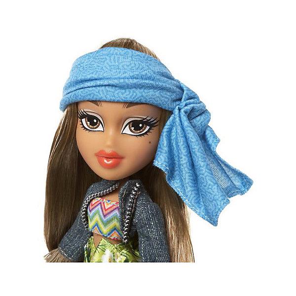 Кукла делюкс Жасмин, В путешествии, BratzКуклы<br>Характеристики товара:<br><br>- цвет: разноцветный;<br>- материал: пластик, текстиль;<br>- тематика: путешествие по Бразилии;<br>- особенности: руки и ноги сгибаются;<br>- комплектация: кукла, два набора одежды, аксессуары, чемодан;<br>- размер упаковки: 26х32х6 см;<br>- размер куклы: 27 см.<br><br>Такие красивые куклы не оставят ребенка равнодушным! Какая девочка откажется поиграть с куклой Bratz?! Игрушка отлично детализирована, очень качественно выполнена, поэтому она станет отличным подарком ребенку. В наборе идут одежда и аксессуары, которыми можно украсить куклу!<br>Изделие произведено из высококачественного материала, безопасного для детей.<br><br>Куклу делюкс Жасмин, В путешествии от бренда Bratz можно купить в нашем интернет-магазине.<br><br>Ширина мм: 260<br>Глубина мм: 320<br>Высота мм: 60<br>Вес г: 540<br>Возраст от месяцев: 48<br>Возраст до месяцев: 2147483647<br>Пол: Женский<br>Возраст: Детский<br>SKU: 5040287