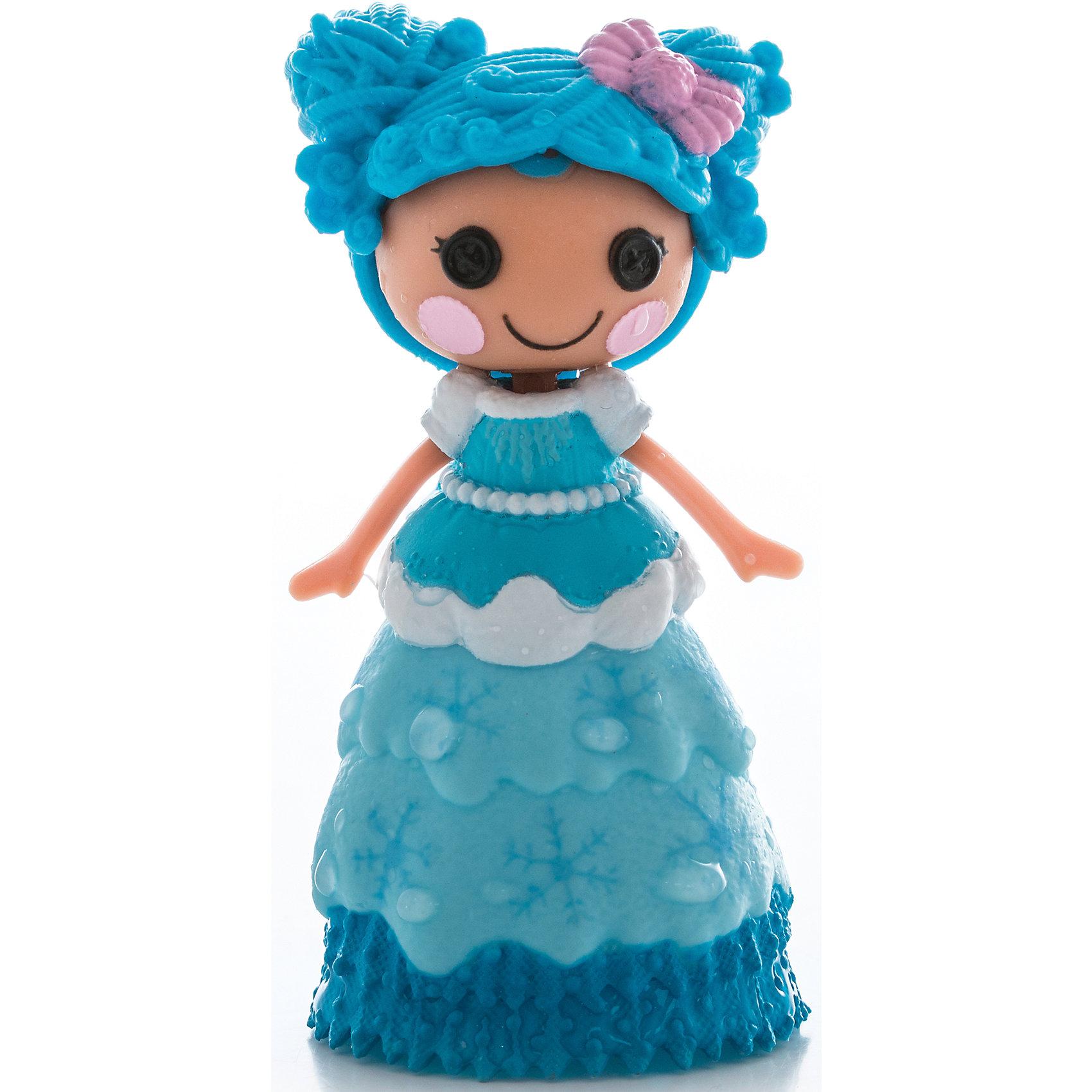 Кукла Мини-Лалалупси, с дополнительными аксессуарами, в ассортиментеБольшой набор Mini Lalaloopsy с дополнительными нарядами и аксессуарами.<br>Упаковка выполнена в форме домика.<br>Теперь нового персонажа Лалалупси можно создать самому! <br>В комплекте кукла Lalaloopsy Mini, 3 платья, 1 меняющий цвет наряд, 2 прически, 2 пары обуви, 1 волшебная палочка.<br><br>Ширина мм: 200<br>Глубина мм: 210<br>Высота мм: 60<br>Вес г: 163<br>Возраст от месяцев: 48<br>Возраст до месяцев: 2147483647<br>Пол: Женский<br>Возраст: Детский<br>SKU: 5040293