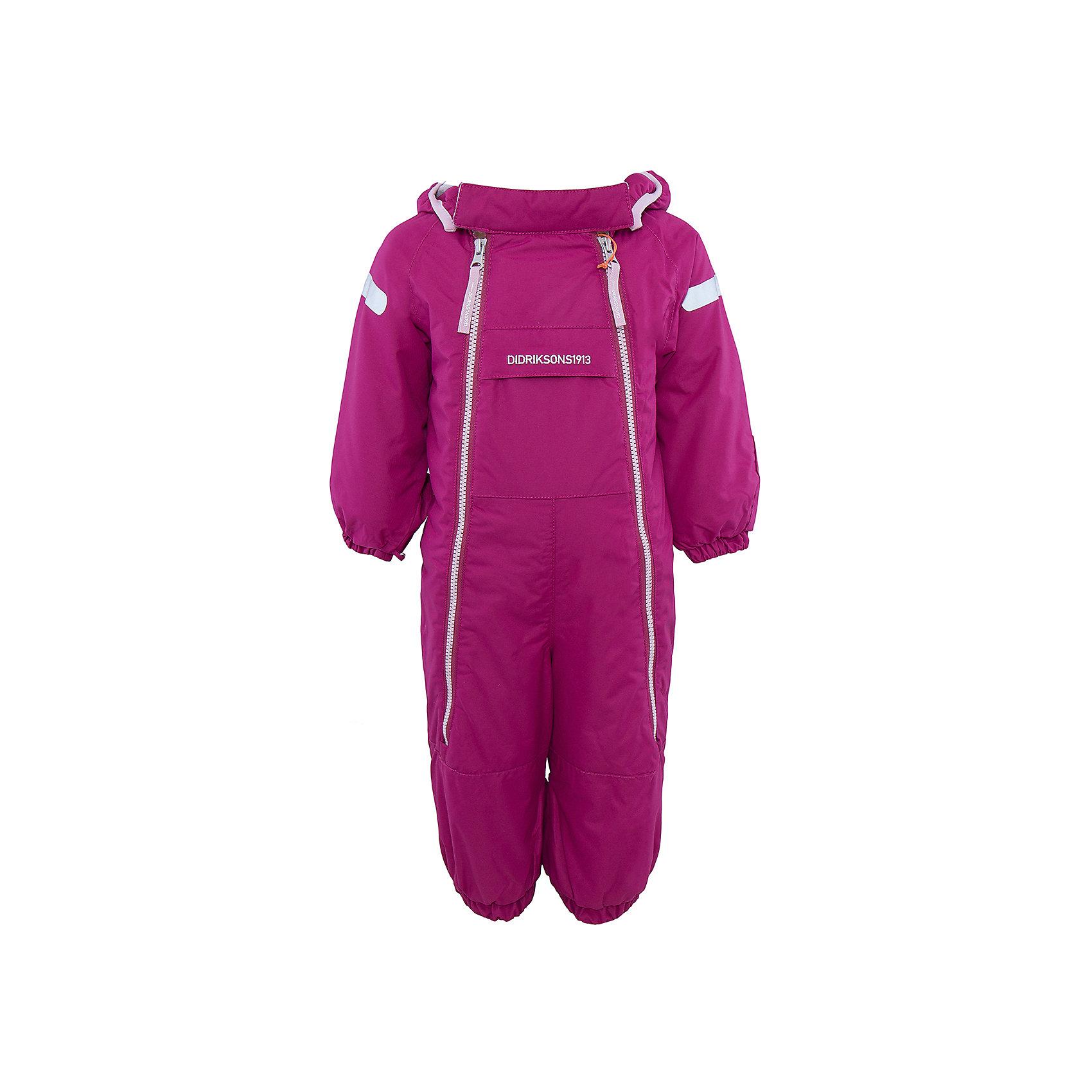 Комбинезон Borga для девочки DIDRIKSONSВерхняя одежда<br>Характеристики товара:<br><br>• цвет: фиолетовый<br>• материал: 100% полиамид, подкладка 100% полиэстер<br>• утеплитель: 120 г/м<br>• сезон: зима<br>• температурный режим от +5 до -20С<br>• непромокаемая и непродуваемая ткань<br>• манжеты и низ штанин на резинке<br>• дополнительная пропитка верха<br>• прокленные швы<br>• регулируемый съемный капюшон<br>• две фронтальных молнии<br>• светоотражающие детали<br>• страна бренда: Швеция<br>• страна производства: Бангладеш<br><br>Такой комбинезон незаменим дя малышей в межсезонье! Это не только стильно, но еще и очень комфортно, а также тепло. Он обеспечит ребенку удобство при прогулках. Комбинезон от шведского производителя легко трансформируется под погодные условия.<br>Модель сшита из непродуваемой ткани, она еще и не продувается. Очень стильная и удобная модель! Изделие качественно выполнено, сделано из безопасных для детей материалов. <br><br>Комбинезон для девочки от бренда DIDRIKSONS можно купить в нашем интернет-магазине.<br><br>Ширина мм: 356<br>Глубина мм: 10<br>Высота мм: 245<br>Вес г: 519<br>Цвет: лиловый<br>Возраст от месяцев: 12<br>Возраст до месяцев: 15<br>Пол: Женский<br>Возраст: Детский<br>Размер: 80,60,70<br>SKU: 5043914