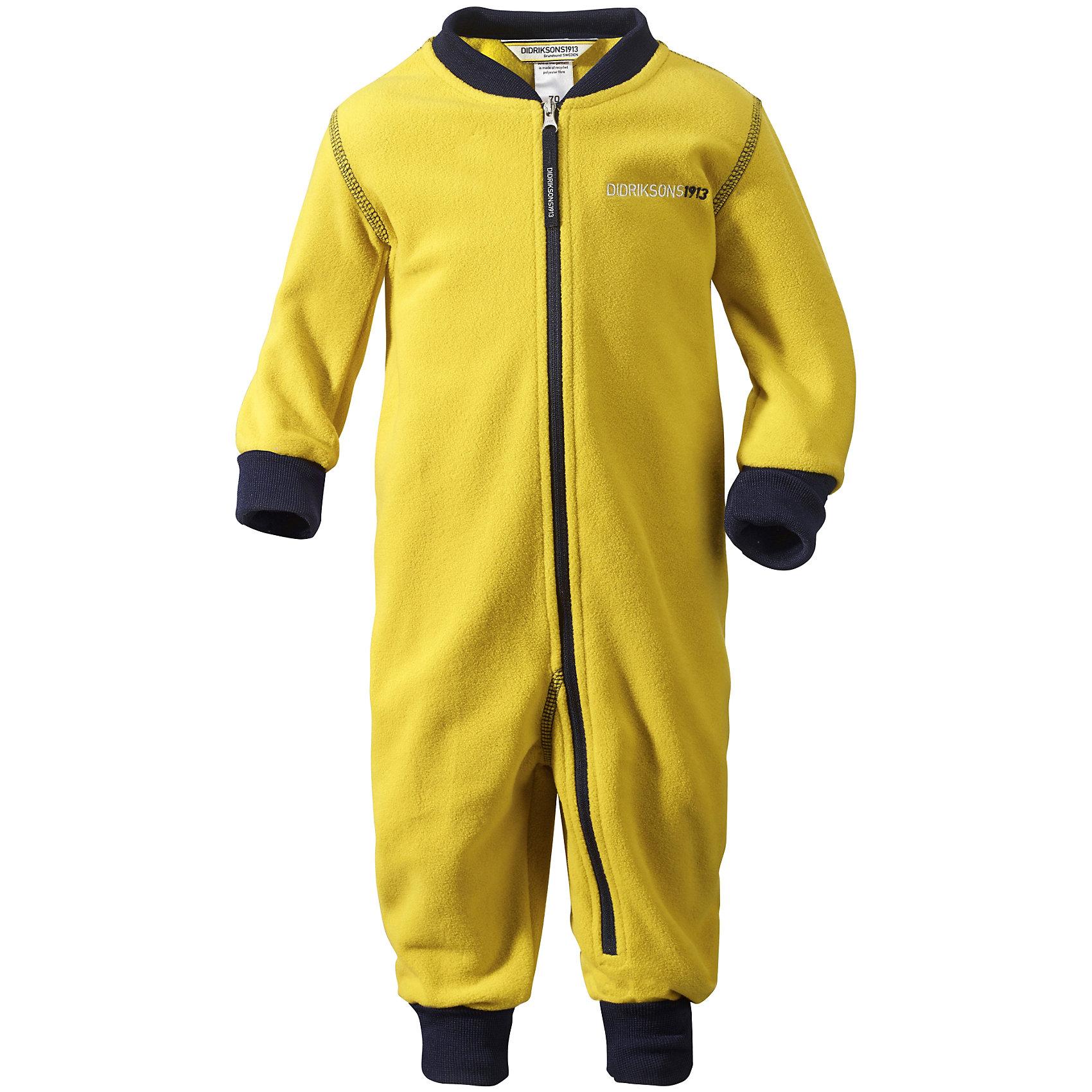 Комбинезон флисовый Jassa DIDRIKSONSКомбинезоны<br>Характеристики товара:<br><br>• цвет: желтый<br>• материал: 100% полиэстер<br>• флис<br>• трикотажные резинки из эластичного материала на рукавах и штанинах<br>• можно надевать под одежду<br>• фронтальная молния<br>• украшен вышивкой<br>• страна бренда: Швеция<br>• страна производства: Китай<br><br>Такие мягкие комбинезоны сейчас очень популярны! Это не только стильно, но еще и очень комфортно, а также тепло. Качественная флисовая вещь обеспечит ребенку удобство при прогулках и активном отдыхе в прохладные дне, в межсезонье или зимой. Такая модель от шведского производителя легко стирается, подходит под разные погодные условия.<br>Модель сшита из качественной мягкой ткани, которая позволяет телу дышать, она приятна на ощупь. Очень стильная и удобная модель! Изделие качественно выполнено, сделано из безопасных для детей материалов. <br><br>Комбинезон от бренда DIDRIKSONS можно купить в нашем интернет-магазине.<br><br>Ширина мм: 356<br>Глубина мм: 10<br>Высота мм: 245<br>Вес г: 519<br>Цвет: желтый<br>Возраст от месяцев: 4<br>Возраст до месяцев: 6<br>Пол: Унисекс<br>Возраст: Детский<br>Размер: 60,70,80<br>SKU: 5043939