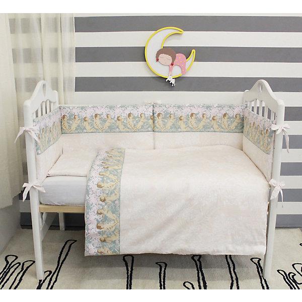 Комплект в кроватку 6 предметов By Twinz, АнгелыПостельное белье в кроватку новорождённого<br>Комплект постельного белья byTwinz состоит из 6-ти предметов: бортик из подушек, подушка, одеяло, наволочка, пододеяльник и простынь. Постельное белье выполнено из гипоаллергенных материалов, наполнитель подушек и одеяла экологически чистый. <br><br>Мягкий бортик состоит из 6-ти подушек, которые размещаются по периметру кроватки и крепятся к бортику с помощью тканевых завязок. Наволочки подушек съемные. <br>Пододеяльник застегивается на молнию, которая находится с боковой стороны изделия (продольный край). <br>Простынь на резинке надежно фиксируется, не сминается и не сползает. <br><br>Комплект в кроватку «Ангелы» предназначен для детских кроваток размером 120х60 см и 125х65 см. <br><br>Дополнительная информация:<br><br>Размеры: <br><br>- бортики-подушки, 6 шт.: 30х60 см каждая;<br>- наволочки на молнии на бортики-подушки, 6 шт.: 33х63 см каждая;<br>- детская подушка: 35х45 см;<br>- детское одеяло: 100х140 см;<br>- пододеяльник на молнии: 105х145 см;<br>- наволочка: 36х46 см; <br>- простынь на резинке: 125х65 см.<br><br>Материал: 100% хлопок<br>Наполнитель (подушки, одеяло): холлофайбер<br><br>Постельное белье Ангелы 6 пред., byTwinz, коричневые бортики можно купить в нашем интернет-магазине.<br>Ширина мм: 580; Глубина мм: 580; Высота мм: 180; Вес г: 3000; Возраст от месяцев: 0; Возраст до месяцев: 36; Пол: Унисекс; Возраст: Детский; SKU: 5045077;