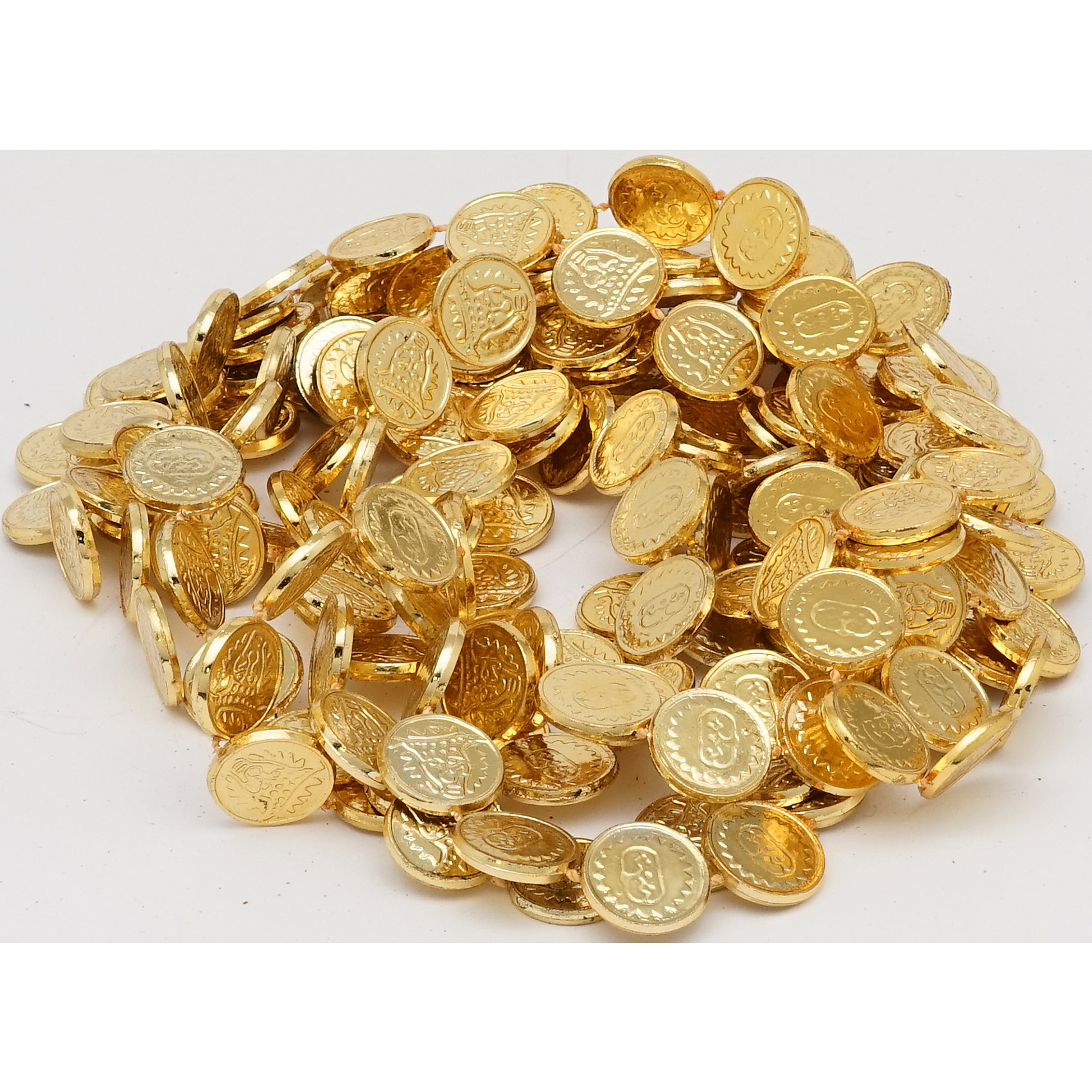 Гирлянда монеты, 270 см (золото)Гирлянда монеты 270 см (золото) арт.16101  (ДШВ 0,105Х0,01Х0,28 м.)<br><br>Ширина мм: 105<br>Глубина мм: 10<br>Высота мм: 280<br>Вес г: 400<br>Возраст от месяцев: 72<br>Возраст до месяцев: 480<br>Пол: Унисекс<br>Возраст: Детский<br>SKU: 5051639