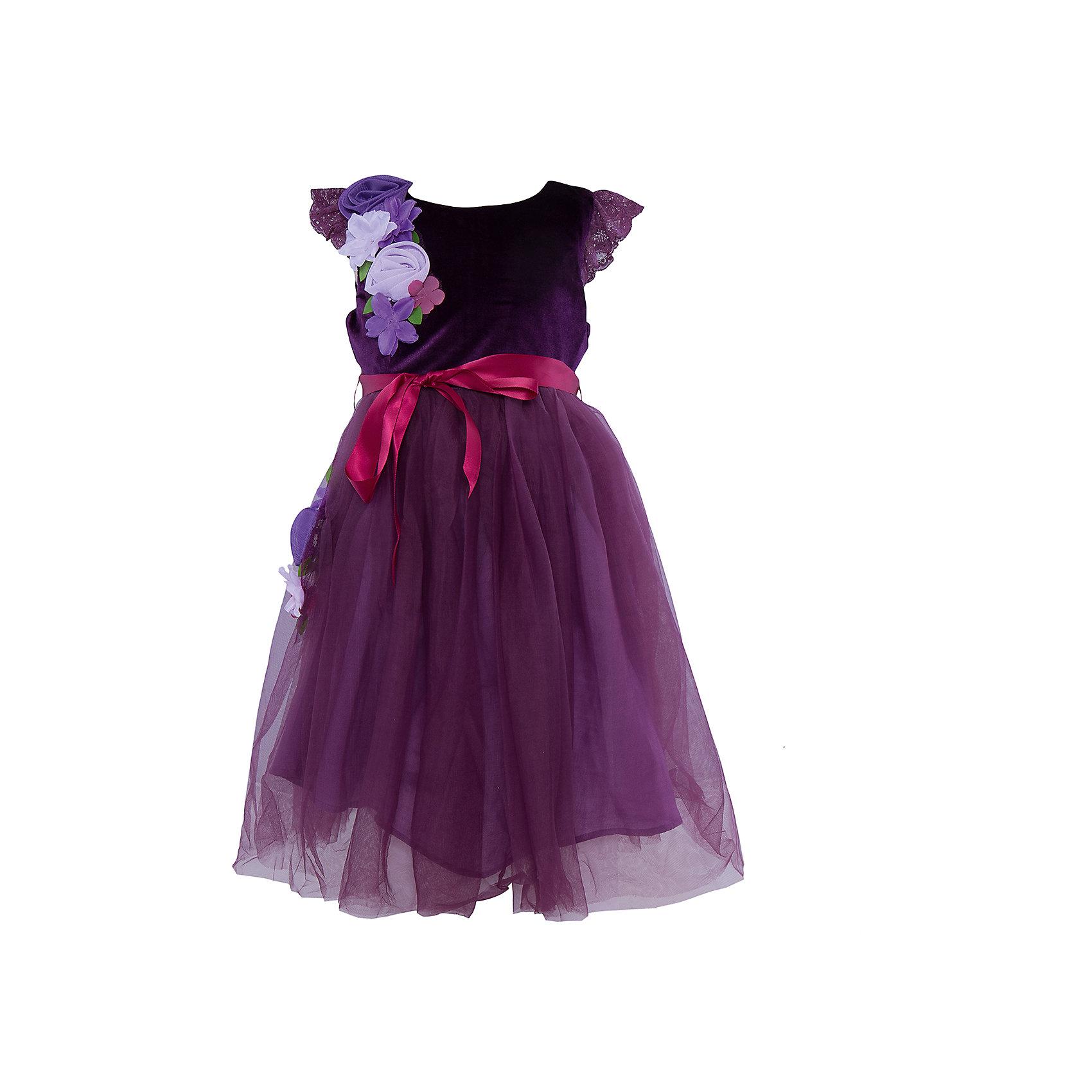 Нарядное платье для девочки Sweet BerryОдежда<br>Характеристики:<br><br>• Вид одежды: платье<br>• Предназначение: для праздника, торжеств<br>• Сезон: круглый год<br>• Материал: верх – 100% полиэстер; подкладка – 100% хлопок<br>• Цвет: сливовый, сиреневый<br>• Силуэт: А стиль<br>• Длина платья: макси<br>• Рукав: короткий, приспущенный<br>• Вырез горловины: круглый<br>• Застежка: молния на спинке<br>• Наличие пояса из атласной ленты<br>• Наличие декоративных текстильных цветов<br>• Особенности ухода: ручная стирка без применения отбеливающих средств, глажение при низкой температуре <br><br>Sweet Berry – это производитель, который сочетает в своей одежде функциональность, качество, стиль и следование современным мировым тенденциям в детской текстильной индустрии. <br>Праздничное платье сиренево-сливового цвета для девочки от знаменитого производителя детской одежды Sweet Berry выполнено из сочетания бархатного верха и пышной юбки из сетки. Имеет классический А силуэт, круглую горловину, короткий рукав, декорированный кружевом в тон платья. В комплекте с платьем предусмотрен поясок из яркой атласной ленты, который можно завязывать бантиком. Платье оформлено декоративными текстильными цветами, расположенными на юбке и плече. На спинке имеется застежка-молния до талии. Праздничные платья от Sweet Berry – это залог успеха вашего ребенка на любом торжестве!<br><br>Платье для девочки Sweet Berry можно купить в нашем интернет-магазине.<br><br>Ширина мм: 236<br>Глубина мм: 16<br>Высота мм: 184<br>Вес г: 177<br>Цвет: лиловый<br>Возраст от месяцев: 24<br>Возраст до месяцев: 36<br>Пол: Женский<br>Возраст: Детский<br>Размер: 98,104,110,116,122,128<br>SKU: 5052056
