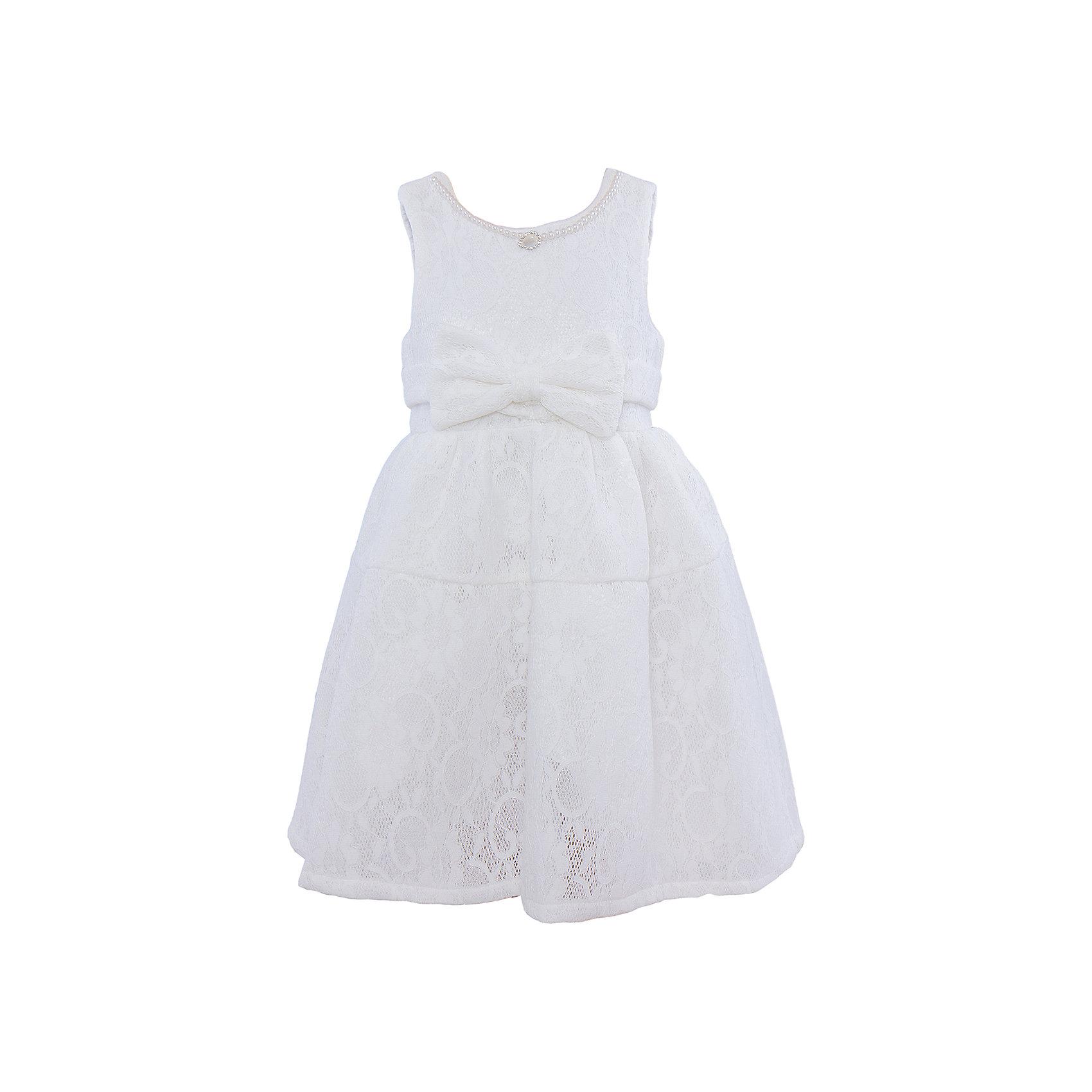 Нарядное платье для девочки Sweet BerryОдежда<br>Характеристики:<br><br>• Вид одежды: платье<br>• Предназначение: для праздника, торжеств<br>• Сезон: круглый год<br>• Материал: верх – 100% полиэстер; подкладка – 100% хлопок<br>• Цвет: белый<br>• Силуэт: классический А-силуэт<br>• Длина платья: миди<br>• Вырез горловины: круглый<br>• Горловина декорирована бусинами и кулоном<br>• Наличие объемного пояса с декоративным бантом<br>• Застежка: молния на спинке<br>• Особенности ухода: ручная стирка без применения отбеливающих средств, глажение при низкой температуре <br><br>Sweet Berry – это производитель, который сочетает в своей одежде функциональность, качество, стиль и следование современным мировым тенденциям в детской текстильной индустрии. <br>Платье для девочки от знаменитого производителя детской одежды Sweet Berry выполнено из полиэстера с хлопковым подкладкой. Изделие имеет классический силуэт с отрезной талией и отрезной кокеткой у пышной юбки. Пышность юбке придает атласный подклад и подъюбник из сетки. Изделие выполнено из кружевной ткани белого цвета, декорировано объемным поясом с декоративным бантом. Горловина оформлена бусинами в форме жемчужин и кулоном в форме капли. Праздничное платье от Sweet Berry – это залог успеха вашего ребенка на любом торжестве!<br><br>Платье для девочки Sweet Berry можно купить в нашем интернет-магазине.<br><br>Ширина мм: 236<br>Глубина мм: 16<br>Высота мм: 184<br>Вес г: 177<br>Цвет: белый<br>Возраст от месяцев: 36<br>Возраст до месяцев: 48<br>Пол: Женский<br>Возраст: Детский<br>Размер: 98,110,116,122,128,104<br>SKU: 5052084