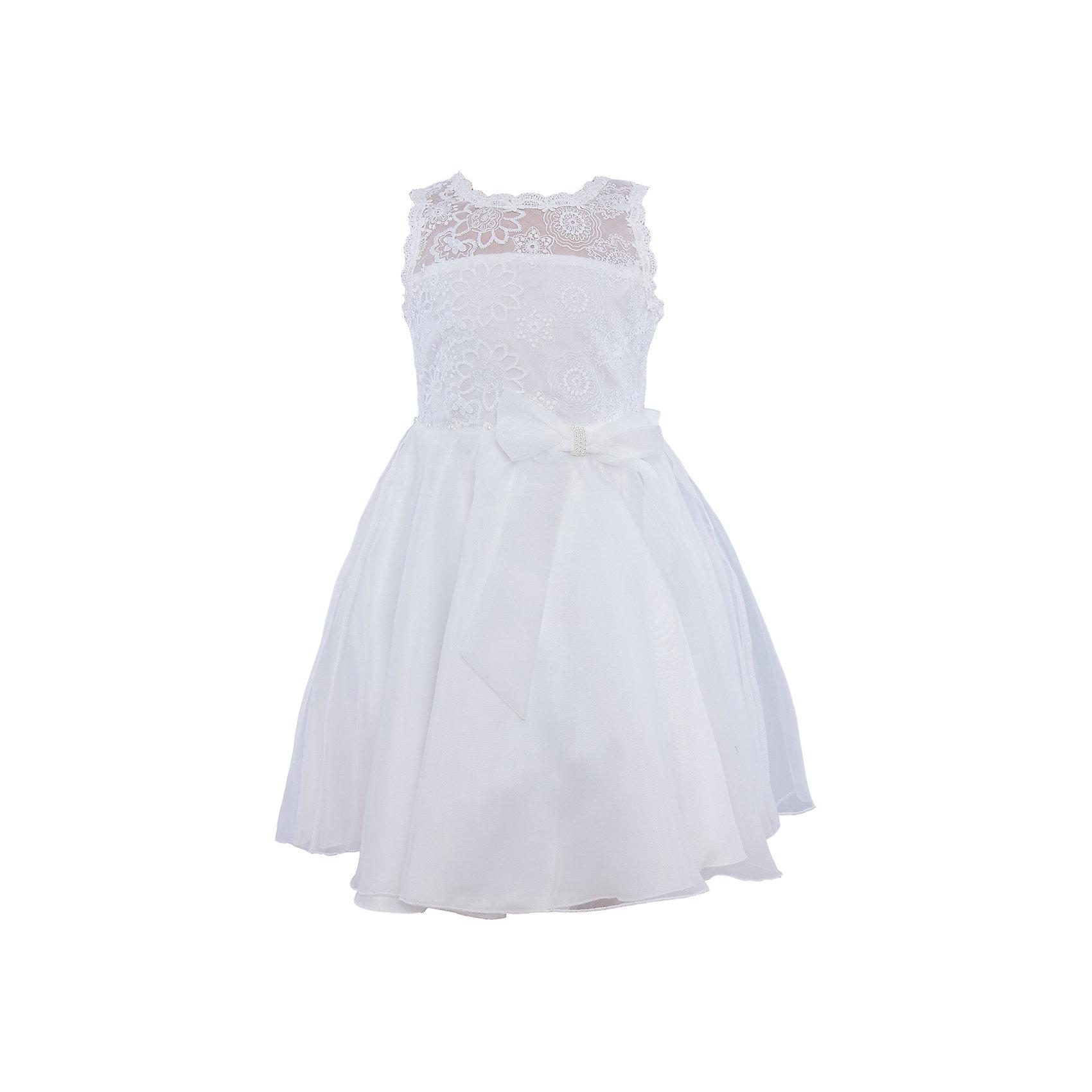 Нарядное платье для девочки Sweet BerryОдежда<br>Характеристики:<br><br>• Вид одежды: платье<br>• Предназначение: для праздника, торжеств<br>• Сезон: круглый год<br>• Материал: верх – 100% полиэстер; подкладка – 100% хлопок<br>• Цвет: белый<br>• Силуэт: классический А-силуэт<br>• Длина платья: миди<br>• Вырез горловины: круглый<br>• Наличие банта сзади<br>• Застежка: пуговицы на спинке<br>• Платье декорировано бусинами в форме жемчужин<br>• Особенности ухода: ручная стирка без применения отбеливающих средств, глажение при низкой температуре <br><br>Sweet Berry – это производитель, который сочетает в своей одежде функциональность, качество, стиль и следование современным мировым тенденциям в детской текстильной индустрии. <br>Нежное платье для девочки от знаменитого производителя детской одежды Sweet Berry выполнено из полиэстера с хлопковой подкладкой. Изделие имеет классический силуэт с отрезной талией и пышной атласной юбкой. Пышность и объем юбке придает подъюбник. Кокетка и спинка выполнены из нежнейшего итальянского кружева белого цвета, горловина и вырезы рукавов обработаны тесьмой из кружева. Талия декорирована жемчужинами и поясом с бантом. Праздничное платье от Sweet Berry – это залог успеха вашего ребенка на любом торжестве!<br><br>Платье для девочки Sweet Berry можно купить в нашем интернет-магазине.<br><br>Ширина мм: 236<br>Глубина мм: 16<br>Высота мм: 184<br>Вес г: 177<br>Цвет: белый<br>Возраст от месяцев: 36<br>Возраст до месяцев: 48<br>Пол: Женский<br>Возраст: Детский<br>Размер: 104,98,110,116,122,128<br>SKU: 5052119