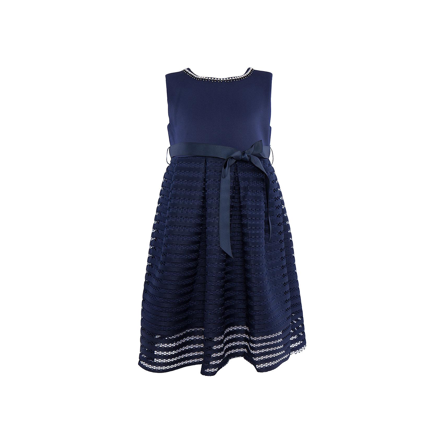 Нарядное платье для девочки Sweet BerryОдежда<br>Характеристики:<br><br>• Вид одежды: платье<br>• Предназначение: для праздника, торжеств<br>• Сезон: круглый год<br>• Материал: верх – 95% полиэстер, 5% эластан; подкладка – 100% хлопок<br>• Цвет: темно-синий<br>• Силуэт: классический А-силуэт<br>• Длина платья: миди<br>• Вырез горловины: круглый, оформлен декоративной тесьмой-ожерельем<br>• Наличие репсового пояса<br>• Застежка: молния на спинке<br>• Особенности ухода: ручная стирка без применения отбеливающих средств, глажение при низкой температуре <br><br>Sweet Berry – это производитель, который сочетает в своей одежде функциональность, качество, стиль и следование современным мировым тенденциям в детской текстильной индустрии. <br>Стильное платье для девочки от знаменитого производителя детской одежды Sweet Berry выполнено из полиэстера с хлопковой подкладкой. Изделие имеет классический силуэт с отрезной талией и юбку с 3-d эффектом. Полочка выполнена из легкого трикотажа, вырез горловины оформлен декоративной тесьмой-ожерельем серебристого цвета. В комплекте имеется неширокий репсовый пояс. Праздничное платье от Sweet Berry – это залог успеха вашего ребенка на любом торжестве!<br><br>Платье для девочки Sweet Berry можно купить в нашем интернет-магазине.<br><br>Ширина мм: 236<br>Глубина мм: 16<br>Высота мм: 184<br>Вес г: 177<br>Цвет: синий<br>Возраст от месяцев: 36<br>Возраст до месяцев: 48<br>Пол: Женский<br>Возраст: Детский<br>Размер: 104,98,110,116,122,128<br>SKU: 5052182