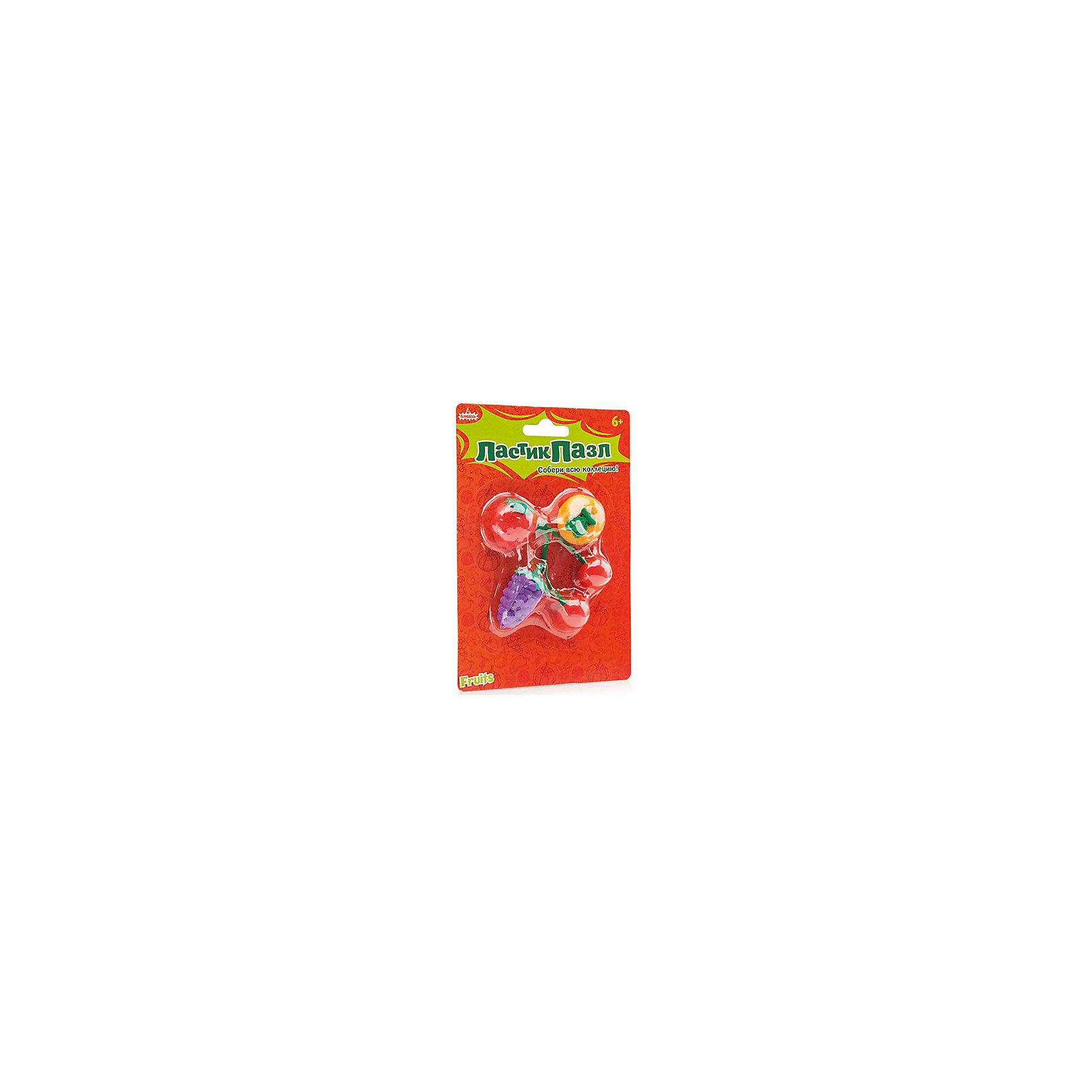 Набор Ластик-пазл - Фрукты БумбарамНабор Ластики - пазлы на блистере Фрукты, Бумбарам.<br><br>Характеристики:<br><br>• качественный ластик<br>• каждый ластик состоит из нескольких пазлов<br>• развивает внимательность, усидчивость и мелкую моторику<br>• яркий дизайн<br>• материал: резина<br>• размер фигурок: 3-4 см<br>• размер упаковки: 13,5х9,5 см<br>• вес: 85 грамм<br><br>Ластики-пазлы Фрукты поможет ребенку вспомнить названия фруктов, которые ему предстоит разобрать, а затем снова собрать. В наборе 4 вида фруктов: виноград, клубника, апельсин, вишни. Этот вид игры поможет развить усидчивость, мелкую моторику и внимательность. Необычные фрукты помогут ребенку обучаться и развиваться!<br><br>Набор Ластики-пазлы на блистере Фрукты, Бумбарам можно купить в нашем интернет-магазине.<br><br>Ширина мм: 135<br>Глубина мм: 95<br>Высота мм: 50<br>Вес г: 85<br>Возраст от месяцев: 72<br>Возраст до месяцев: 144<br>Пол: Унисекс<br>Возраст: Детский<br>SKU: 5054004