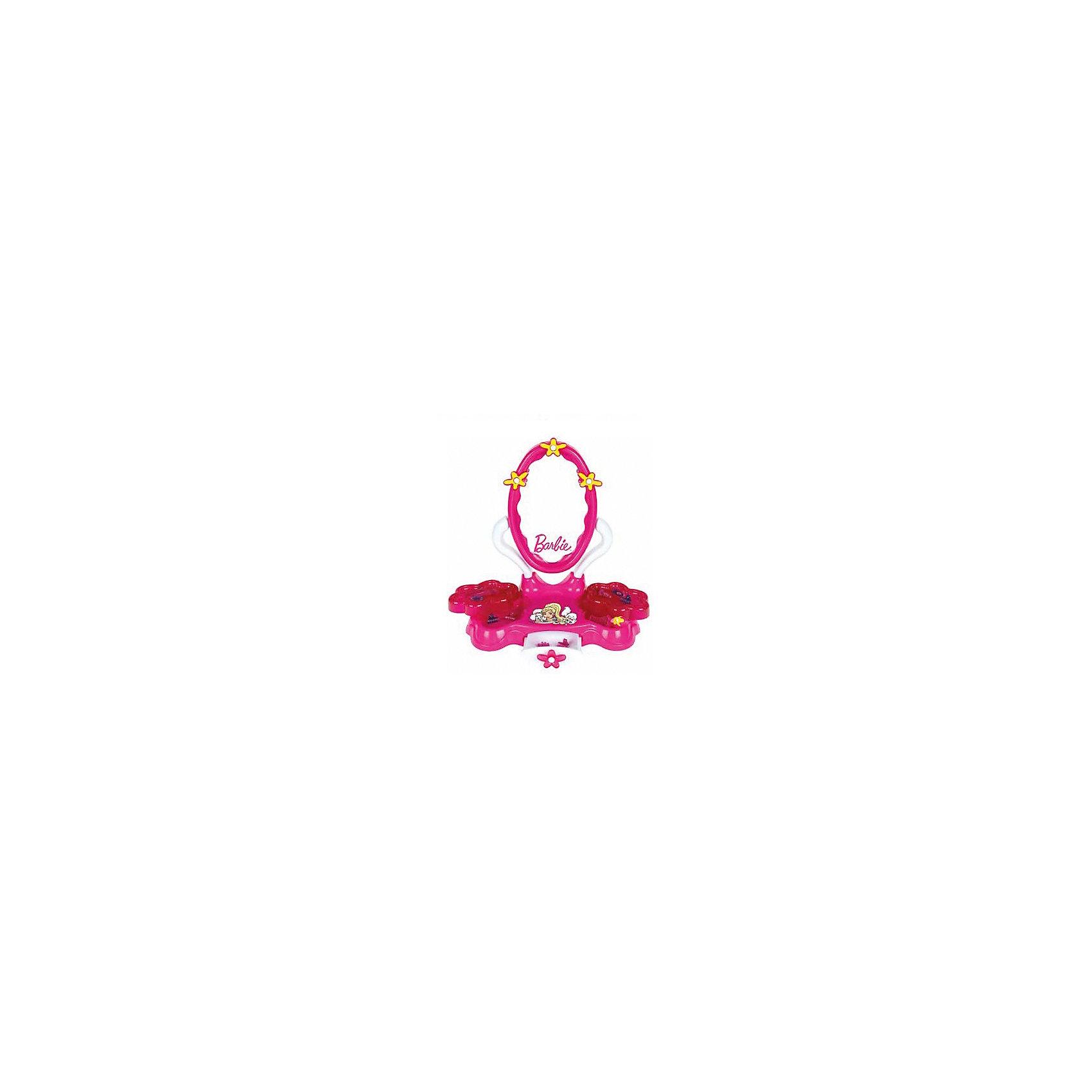 Игровой набор Студия красоты, Barbie, KleinИгровой набор Студия красоты, Barbie (Барби) от популярного немецкого бренда игрушек для детей Klein (Кляйн) станет отличным дополнением к играм в салон красоты. Стильный футлярчик розового цвета включает в себя все основные предметы каждой красавицы. В набор включены расческа-щетка, расческа гребень, небольшое зеркальце с розовой ручкой, две заколочки и два пузырька. Футляр удобно ставить на стол, так как у него имеются функциональные ножи, красивая застежка-бантик и нарисованная куколка-модника придут по вкусу хозяйке кукол и она захочет поскорее создать новый дизайн своим подопечным. В разложенном виде размер футляра 30 см. Игрушка поможет развить воображение и моторику рук.   <br>Дополнительная информация:<br><br>- В комплект входит: футляр, расческа-щетка, расческа гребень, маленькое зеркальце с розовой ручкой, две заколочки и два флакончика<br>- Состав: пластик<br>- Параметры: 33 * 9 * 32 см. <br><br><br>Игровой набор Студия красоты, Barbie (Барби), Klein (Кляйн) можно купить в нашем интернет-магазине.<br>Подробнее:<br>• Для детей в возрасте: от 3 до 6 лет <br>• Номер товара: 5055278<br>Страна производитель: Китай<br><br>Ширина мм: 416<br>Глубина мм: 356<br>Высота мм: 543<br>Вес г: 1466<br>Возраст от месяцев: 36<br>Возраст до месяцев: 120<br>Пол: Женский<br>Возраст: Детский<br>SKU: 5055278