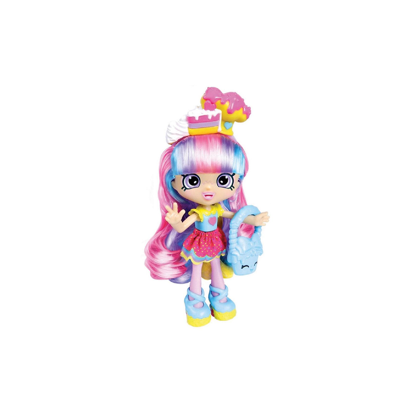 Кукла Радужная Кэти с аксессуарами, ShopkinsШопкинс - это любимые герои многих современных детей! Кукла в виде героини из одноименного мультфильма Радужной Кэти обязательно порадует ребенка, тем более, что она дополнена стильным нарядом и аксессуарами.<br>Такие игрушки способствуют развитию мелкой моторики, мышления и социальных навыков. Также куклы помогают девочкам научиться ухаживать за собой и за другими. Сделана из материалов, безопасных для детей.<br><br>Дополнительная информация:<br><br>комплектация: кукла, сумочка, 2 эксклюзивных Shopkins, расческа, VIP карточка и подставка для куклы;<br>рекомендуемый возраст: от трех лет;<br>материал: полимер.<br><br>Куклу Радужная Кэти с аксессуарами от бренда Shopkins (Шопкинс) можно купить в нашем интернет-магазине.<br><br>Ширина мм: 68<br>Глубина мм: 170<br>Высота мм: 250<br>Вес г: 250<br>Возраст от месяцев: 36<br>Возраст до месяцев: 120<br>Пол: Женский<br>Возраст: Детский<br>SKU: 5055353