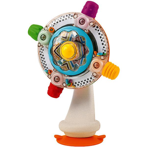 Игрушка  на присоске Sensory, BKidsИнтерактивные игрушки для малышей<br>Помогать развивать способности ребенка можно с самого раннего возраста. Делая это в игре, малыш всесторонне изучает мир и осваивает новые навыки. Эта игрушка представляет собой симпатичный вентилятор на присоске.<br>Такие игрушки способствуют развитию мелкой моторики, воображения, цвето- и звуковосприятия, тактильных ощущений и обучению. Изделие разработано специально для самых маленьких. Сделано из материалов, безопасных для детей.<br><br>Дополнительная информация:<br><br>цвет: бело-серебристый;<br>звуковые эффекты;<br>возраст: с 6 мес.<br><br>Игрушку на присоске Sensory от бренда BKids можно купить в нашем интернет-магазине.<br>Ширина мм: 84; Глубина мм: 84; Высота мм: 203; Вес г: 300; Возраст от месяцев: 6; Возраст до месяцев: 36; Пол: Унисекс; Возраст: Детский; SKU: 5055385;
