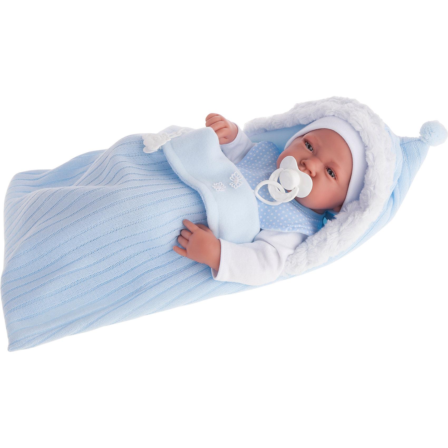 Кукла-младенец Хьюго, 42 см, Munecas Antonio JuanКукла-младенец Хьюго, 42 см, Munecas Antonio Juan (Мунекас Антонио Хуан).<br><br>Характеристики:<br><br>- Комплектация: кукла, конверт, соска<br>- Материал: винил, текстиль<br>- Высота куклы: 42 см.<br>- Глаза не закрываются<br>- Упаковка: яркая подарочная коробка<br><br>Малыш Хьюго невероятно похож на настоящего младенца. Анатомическая точность, с которой выполнена кукла, поражает! Выразительные глазки, маленький носик, пушистые ресницы, нежные щечки, пухлые губки, милые «перевязочки» на ручках и ножках придают кукле реалистичный вид и вызывают только самые положительные и добрые эмоции. Хьюго одет нежно-голубой комбинезончик и беленькую шапочку. Младенец лежит в мягком утепленном конверте голубого цвета с меховой оторочкой на капюшоне. У Хьюго есть любимая соска. Кукла изготовлена из высококачественного винила с покрытием софт тач, мягкого и приятного на ощупь. Голова, ручки и ножки подвижны. Кукла соответствует всем нормам и требованиям к качеству детских товаров. Образы малышей Мунекас разработаны известными европейскими дизайнерами. Они натуралистичны, анатомически точны.<br><br>Куклу-младенца Хьюго, 42 см, Munecas Antonio Juan (Мунекас Антонио Хуан) можно купить в нашем интернет-магазине.<br><br>Ширина мм: 450<br>Глубина мм: 390<br>Высота мм: 170<br>Вес г: 1230<br>Возраст от месяцев: 36<br>Возраст до месяцев: 2147483647<br>Пол: Женский<br>Возраст: Детский<br>SKU: 5055423