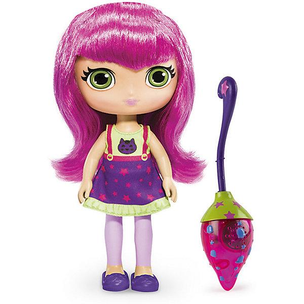 Кукла со светом и звуком Хейзел, 20 см, Маленькие волшебницы, Spin MasterКуклы<br>Кукла со светом и звуком Хазер, 20 см, Маленькие волшебницы, Spin Master<br><br>Характеристики куклы Little Charmers:<br><br>• световые эффекты: если усадить куклу на метлу и наклонить, метла начнет светиться;<br>• звуковые эффекты: свистящий звук полета во время движения;<br>• высота куклы: 20 см;<br>• материал: пластик, текстиль;<br>• батарейки включены в комплект;<br>• размер упаковки: 25х28х8 см;<br>• вес упаковки: 250 г.<br><br>Маленькие волшебницы Little Charmers очень дружны между собой. Героиня Хазер понимает разговор зверей и птиц. Добрая и энергичная волшебница. Волосы куклы нейлоновые, розового цвета, их можно расчесывать. Руки и ноги поднимаются и опускаются, голова поворачивается. Кукла Хазер может занимать положение «сидя», когда летит на своей волшебной метле. <br><br>В процессе игры с куклами Литтл Чармерс у девочек развивается фантазия, появляется возможность обыграть сцены из мультфильма. <br><br>Куклу со светом и звуком Хазер, 20 см, Маленькие волшебницы, Spin Master можно купить в нашем интернет-магазине.<br>Ширина мм: 255; Глубина мм: 75; Высота мм: 280; Вес г: 507; Возраст от месяцев: 36; Возраст до месяцев: 2147483647; Пол: Женский; Возраст: Детский; SKU: 5064311;