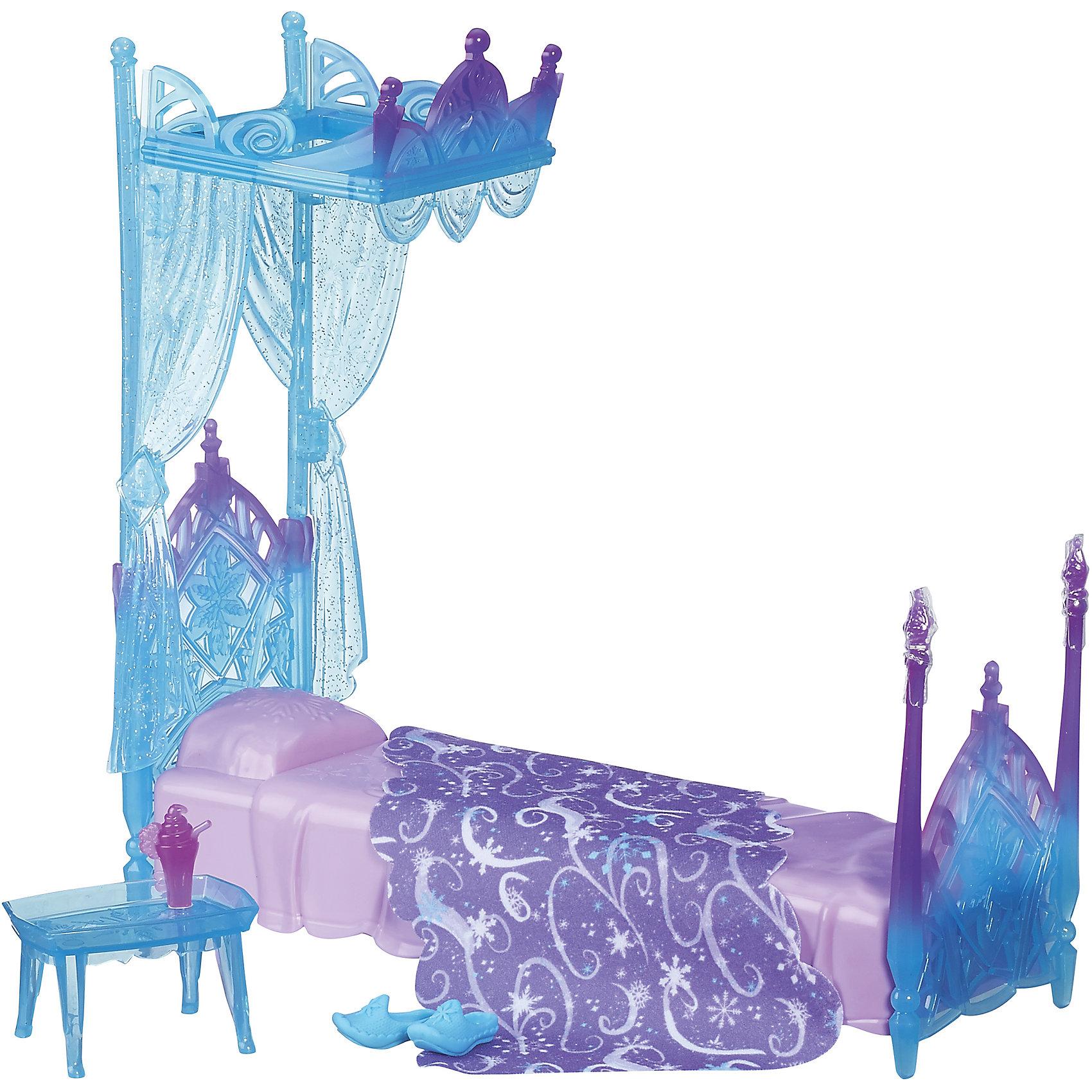 Игровой набор Кровать Эльзы, Холодное сердце, B5175/B5177Игровой набор Кровать Эльзы, Холодное сердце, B5175/B5177.<br><br>Характеристики:<br><br>- В наборе: кровать с балдахином, мягкое одеяло, несколько пластиковых аксессуаров, включая поднос, тарелку с печеньем, чашку какао и тапочки<br>- Кукла в набор не входит<br>- Материал: высококачественная пластмасса, текстиль<br>- Размер упаковки: 10,2х30,5х25,4 см.<br>- Вес: 721 гр.<br><br>Набор Кровать Эльзы от торговой марки Hasbro (Хасбро) станет отличным подарком для вашей девочки. Комплект состоит из большой односпальной кровати, мягкого пледа, маленького столика, тапочек и закусок. Все элементы набора оформлены в стиле диснеевского мультфильма Холодное сердце. Ледяная кровать дополнена высоким балдахином с полупрозрачными шторками. Мягкий плед украшен снежными узорами. Все элементы выполнены из качественных нетоксичных материалов.<br><br>Игровой набор Кровать Эльзы, Холодное сердце, B5175/B5177 можно купить в нашем интернет-магазине.<br><br>Ширина мм: 95<br>Глубина мм: 310<br>Высота мм: 1700<br>Вес г: 740<br>Возраст от месяцев: 36<br>Возраст до месяцев: 72<br>Пол: Женский<br>Возраст: Детский<br>SKU: 5064694