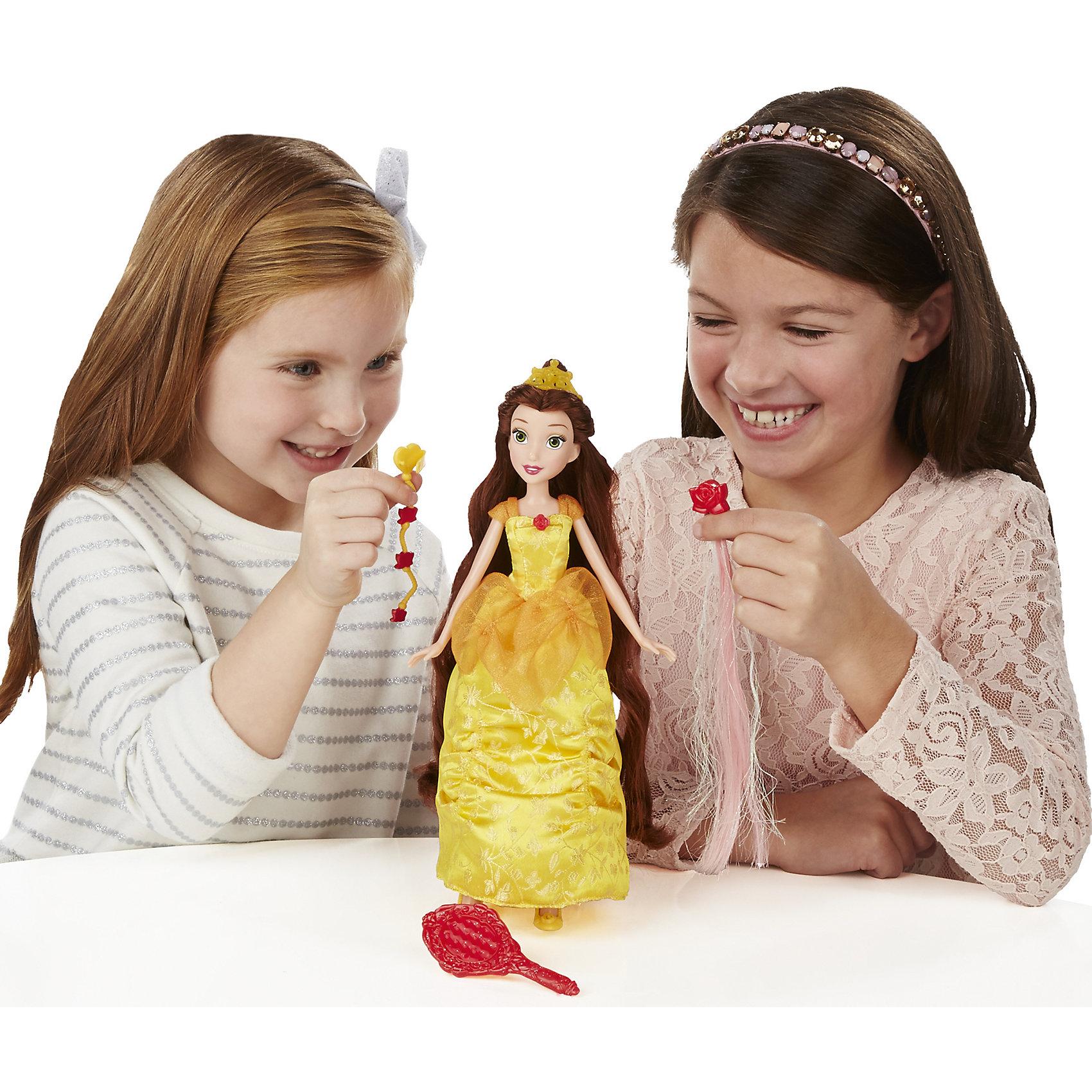 Базовая кукла Принцесса Белль в с длинными волосами, c аксессуарами, B5292/B5293Игрушки<br>Базовая кукла Принцесса в с длинными волосами, c аксессуарами, B5292/B5293.<br><br>Характеристики:<br><br>- В наборе: кукла, тиара, дополнительные пряди волос, заколки для волос, расческа, на обороте которой находится зеркальце<br>- Материал: высококачественный пластик, текстиль<br>- Размер упаковки: 16,5х6,4х35,6 см.<br><br>Очаровательная кукла от торговой марки Hasbro (Хасбро) станет любимой игрушкой вашей маленькой принцессы. Кукла изготовлена из прочного пластика, а ее одежда пошита из высококачественного текстиля. Она выполнена в виде Белль, героини мультфильма Красавица и чудовище. Кукла имеет высокую степень детализации, качественно прорисованы даже самые мелкие детали. Белль одета в красивое бальное платье солнечного цвета, низ которого украшен красивыми цветочными узорами белоснежного цвета. На голове принцессы – тиара. На ногах – изящные желтые туфельки. Локоны принцессы можно расчесывать и создавать красивые прически. Для этого в комплект входят различные аксессуары - расческа, цветные пряди волос и заколки. Кукла может двигать руками, ногами, а также вращать головой. С замечательной куклой ваша малышка окунется в сказочный мир, и будет придумывать увлекательные истории про любимую героиню.<br><br>Базовую куклу Принцесса в с длинными волосами, c аксессуарами, B5292/B5293 можно купить в нашем интернет-магазине.<br><br>Ширина мм: 327<br>Глубина мм: 164<br>Высота мм: 1600<br>Вес г: 210<br>Возраст от месяцев: 36<br>Возраст до месяцев: 72<br>Пол: Женский<br>Возраст: Детский<br>SKU: 5064697