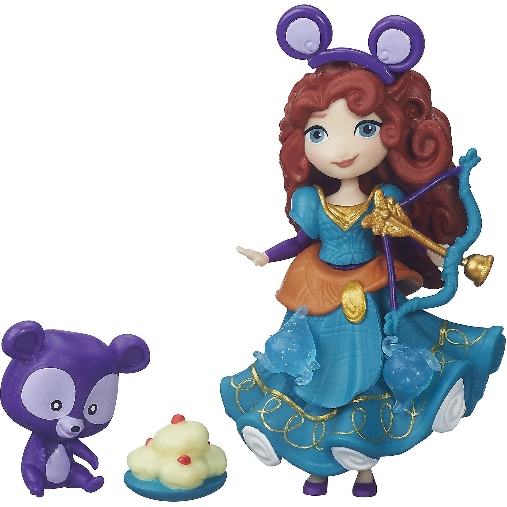 Игровой набор Маленькая кукла Принцесса и ее друг Мерида и медвежонок, B5331/B5332Игрушки<br>Игровой набор Маленькая кукла Принцесса и ее друг, B5331/B5332.<br><br>Характеристики:<br><br>- В наборе: кукла Мерида; фигурка медвежонка; сладости; лук и стрелы; 3 украшения<br>- Материал: высококачественный пластик<br>- Высота куклы: 7,62 см.<br>- Размер упаковки: 3,8х15,2х15,2 см.<br>- Вес упаковки: 79 г.<br><br>В миниатюрный игровой набор Маленькая кукла Принцесса и ее друг входит фигурка принцессы Мериды, ее питомец медвежонок, а также различные аксессуары и небольшие детали-украшения, которыми можно декорировать платье принцессы. Для этого в платье предусмотрены специальные отверстия. У Мериды много хлопот ее очаровательный питомец, как все медвежата, очень любит сладкое! Выводя его на прогулку и охоту, малышке придется следить, чтобы медвежонок не ухватил сладости и не начал с ними играть, положив на брюшко. Мерида может взять лук и стрелы и устроить себе и медвежонку незабываемое приключение. В том, чтобы приключение было интересным, ей понадобится помощь маленькой хозяйки, что позволит девочке проявить фантазию. Кукла может стоять и сидеть<br><br>Игровой набор Маленькая кукла Принцесса и ее друг, B5331/B5332 можно купить в нашем интернет-магазине.<br><br>Ширина мм: 38<br>Глубина мм: 150<br>Высота мм: 490<br>Вес г: 91<br>Возраст от месяцев: 48<br>Возраст до месяцев: 96<br>Пол: Женский<br>Возраст: Детский<br>SKU: 5064705