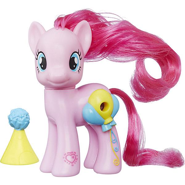 Пони Пинки Пай с волшебными картинками, My little Pony, B5361/B7265Игрушки<br>Пони с волшебными картинками, My little Pony, B5361/B7265.<br><br>Характеристики:<br><br>- В наборе: пони, аксессуар<br>- Материал: игрушка изготовлена из пластика, грива и хвостик – текстильные<br>- Высота фигурки: 8 см.<br><br>Играть с милыми пони стало еще интереснее! Главная особенность пони Пинки Пай – это линза, расположенная на боку пони, сквозь которую видно картинку с изображением сценки из мультфильма Дружба - это чудо. На передней ножке лошадки Вы найдете код в виде сердечка, отсканировав который при помощи мобильного устройства, Вы получите дополнительные игровые возможности в бесплатном приложении My Little Pony Friendship Celebration. Голова фигурки поворачивается. Гриву и хвост пони малышка сможет расчесывать и создавать различные прически. В комплекте с фигуркой также идет забавная шапочка. Игры с такой игрушкой способствуют развитию у ребенка фантазии и любознательности, помогут овладеть навыками общения, воспитают чувство ответственности и заботы. Благодаря маленькому размеру фигурки малышка сможет взять ее с собой на прогулку или в гости.<br><br>Игровой набор Пони с волшебными картинками, My little Pony, B5361/B7265 можно купить в нашем интернет-магазине.<br><br>Ширина мм: 87<br>Глубина мм: 178<br>Высота мм: 550<br>Вес г: 160<br>Возраст от месяцев: 36<br>Возраст до месяцев: 72<br>Пол: Женский<br>Возраст: Детский<br>SKU: 5064711