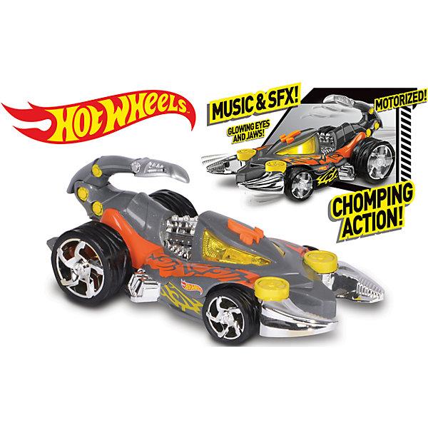 Электромеханическая машинка Серый скорпион, 23 см, Hot WheelsМашинки<br>Машинка-монстр Хот Вилс электромеханическая, на батарейках, свет+звук.<br><br>Характеристики гоночной машинки в виде скорпиона Hot Wheels:<br><br>• световые эффекты: мигающие лампочки;<br>• звуковые эффекты: работающий мотор, лязг шин;<br>• внешний вид: огромный корпус-скорпион, хромированные диски;<br>• функциональность модели: подвижный хвост скорпиона;<br>• электронная модель: работает от батареек;<br>• батарейки входят в комплект: 3 шт. типа ААА;<br>• длина машинки: 23 см;<br>• размер упаковки: 27,3х12,7х12,7 см;<br>• вес упаковки: 454 г.<br><br>Скоростные гонки, жажда скорости, молниеносный старт – гоночные машинки Hot Wheels порадуют мальчишек агрессивным видом и оформлением кузова в виде скорпиона. Машинка Hot Wheels с электромеханической подвеской имеет колеса разного диаметра: передние колеса меньшего диаметра, а задние колеса большего диаметра. <br><br>Электромеханическую машинку Серый скорпион, 23 см, Hot Wheels можно купить в нашем интернет-магазине.<br><br>Ширина мм: 130<br>Глубина мм: 130<br>Высота мм: 270<br>Вес г: 513<br>Возраст от месяцев: 36<br>Возраст до месяцев: 2147483647<br>Пол: Мужской<br>Возраст: Детский<br>SKU: 5066701
