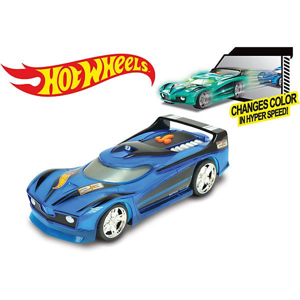 Электромеханическая машинка, синяя, 25 см, Hot WheelsПопулярные игрушки<br>Характеристики товара:<br><br>- цвет: синий;<br>- материал: пластик, металл;<br>- особенности: меняет цвет при движении, со звуковыми и световыми эффектами;<br>- вес: 600 г;<br>- размер упаковки: 31х13х13;<br>- батарейки 3хААA;<br>- размер машинки: 25 см.<br><br>Какой мальчишка откажется поиграть с машинкой Hot Wheels, которая выглядит как настоящая?! Машинка меняет цвет при движении и запускается нажатием кнопки. Игрушка отлично детализирована, очень качественно выполнена, поэтому она станет отличным подарком ребенку. Продается в красивой упаковке.<br>Изделия произведены из высококачественного материала, безопасного для детей.<br><br>Электромеханическую машинку Hot Wheels можно купить в нашем интернет-магазине.<br>Ширина мм: 310; Глубина мм: 130; Высота мм: 130; Вес г: 623; Возраст от месяцев: 36; Возраст до месяцев: 2147483647; Пол: Мужской; Возраст: Детский; SKU: 5066705;