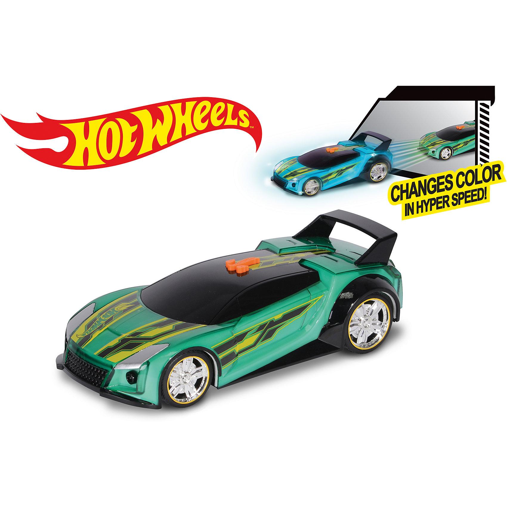 Машинка Hyper Racer (свет, звук), зеленая, 25 см, Hot WheelsМашинки<br>Характеристики товара:<br><br>- цвет: зеленый;<br>- материал: пластик, металл;<br>- особенности:электромеханическая, со звуковыми и световыми эффектами;<br>- вес: 600 г;<br>- размер упаковки: 31х13х13;<br>- батарейки 3хААA;<br>- размер машинки: 25 см.<br><br>Какой мальчишка откажется поиграть с машинкой Hot Wheels, которая выглядит как настоящая?! Машинка меняет цвет при движении и запускается нажатием кнопки. Игрушка отлично детализирована, очень качественно выполнена, поэтому она станет отличным подарком ребенку. Продается в красивой упаковке.<br>Изделия произведены из высококачественного материала, безопасного для детей.<br><br>Электромеханическую машинку Hot Wheels можно купить в нашем интернет-магазине.<br><br>Ширина мм: 310<br>Глубина мм: 130<br>Высота мм: 130<br>Вес г: 628<br>Возраст от месяцев: 36<br>Возраст до месяцев: 2147483647<br>Пол: Мужской<br>Возраст: Детский<br>SKU: 5066706