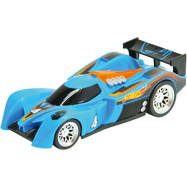 Машинка - 24 Ours (свет, звук), синяя, 14 см, Hot WheelsМашинки<br>Характеристики товара:<br><br>- цвет: синий;<br>- материал: пластик, металл;<br>- особенности: инерционная, со световыми эффектами;<br>- вес: 200 г;<br>- размер упаковки: 9х13х18;<br>- размер машинки: 14 см.<br><br>Какой мальчишка откажется поиграть с коллекционной машинкой Hot Wheels, которая выглядит как настоящая?! Машинка очень эффектно смотрится, она дополнена световыми эффектами и инерционным механизмом. Игрушка отлично детализирована, очень качественно выполнена, поэтому она станет отличным подарком ребенку. Продается в красивой упаковке.<br>Изделия произведены из высококачественного материала, безопасного для детей.<br><br>Механическую машинку Hot Wheels можно купить в нашем интернет-магазине.<br>Ширина мм: 89; Глубина мм: 127; Высота мм: 178; Вес г: 184; Возраст от месяцев: 36; Возраст до месяцев: 2147483647; Пол: Мужской; Возраст: Детский; SKU: 5066710;