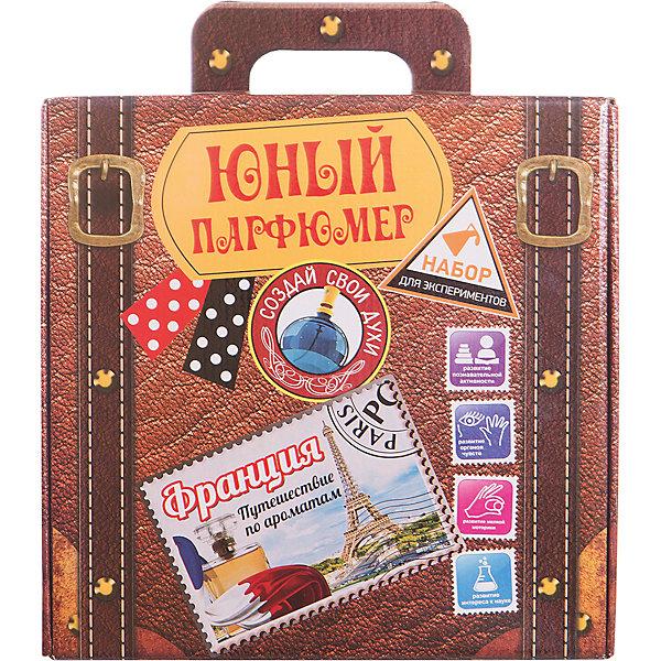 Набор для экспериментов Юный парфюмер, Путешествие по ароматам: ИталияНаборы для создания парфюмерии<br>(набор сделан в виде чемоданчика для путешествий, который позволит изготовить 25 ароматов. В<br><br>Ширина мм: 280<br>Глубина мм: 85<br>Высота мм: 275<br>Вес г: 1111<br>Возраст от месяцев: 96<br>Возраст до месяцев: 168<br>Пол: Унисекс<br>Возраст: Детский<br>SKU: 5067624